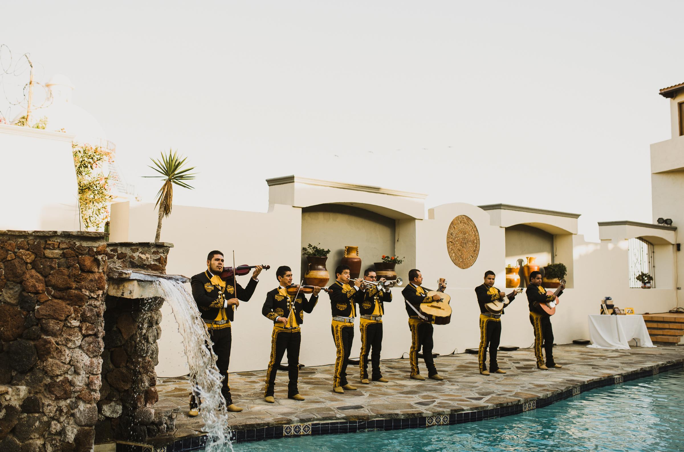 ©Isaiah + Taylor Photography - Rosarito Beach Destination Wedding, Mexico-0067.jpg