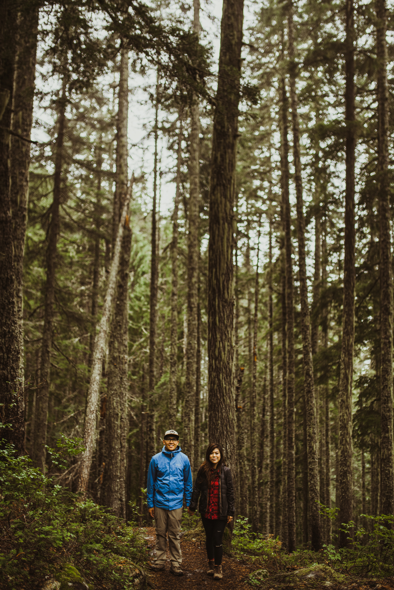 ©Isaiah-&-Taylor-Photography---Hidden-Lake-Cascade-Mountains-Engagement,-Washington-013.jpg