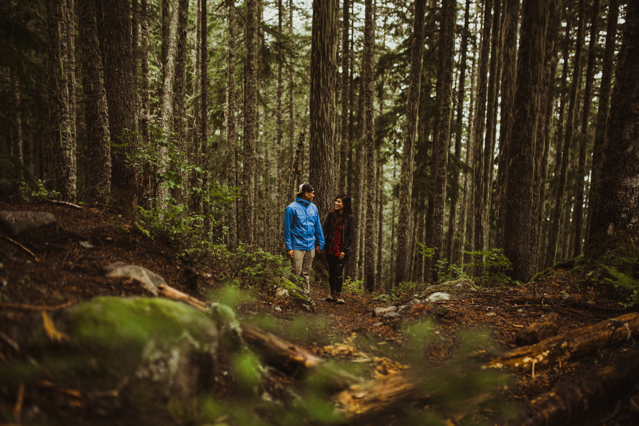 ©Isaiah-&-Taylor-Photography---Hidden-Lake-Cascade-Mountains-Engagement,-Washington-015.jpg