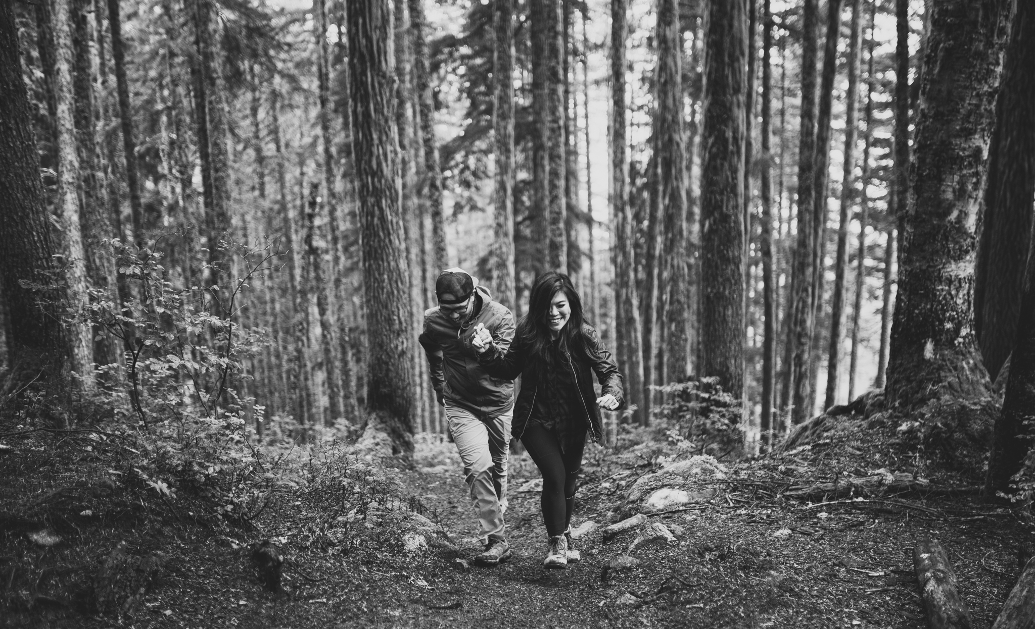 ©Isaiah-&-Taylor-Photography---Hidden-Lake-Cascade-Mountains-Engagement,-Washington-017.jpg
