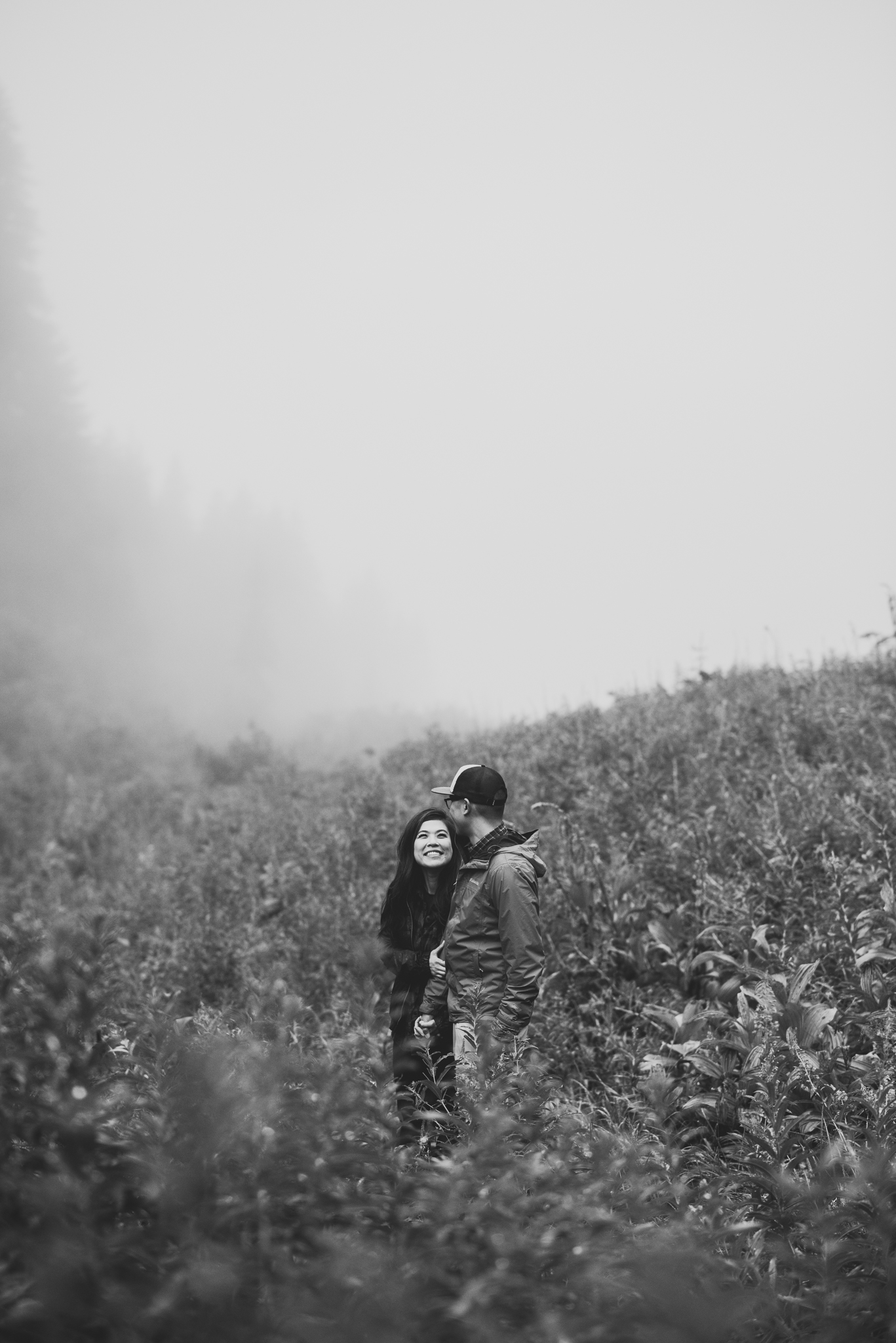 ©Isaiah-&-Taylor-Photography---Hidden-Lake-Cascade-Mountains-Engagement,-Washington-029.jpg