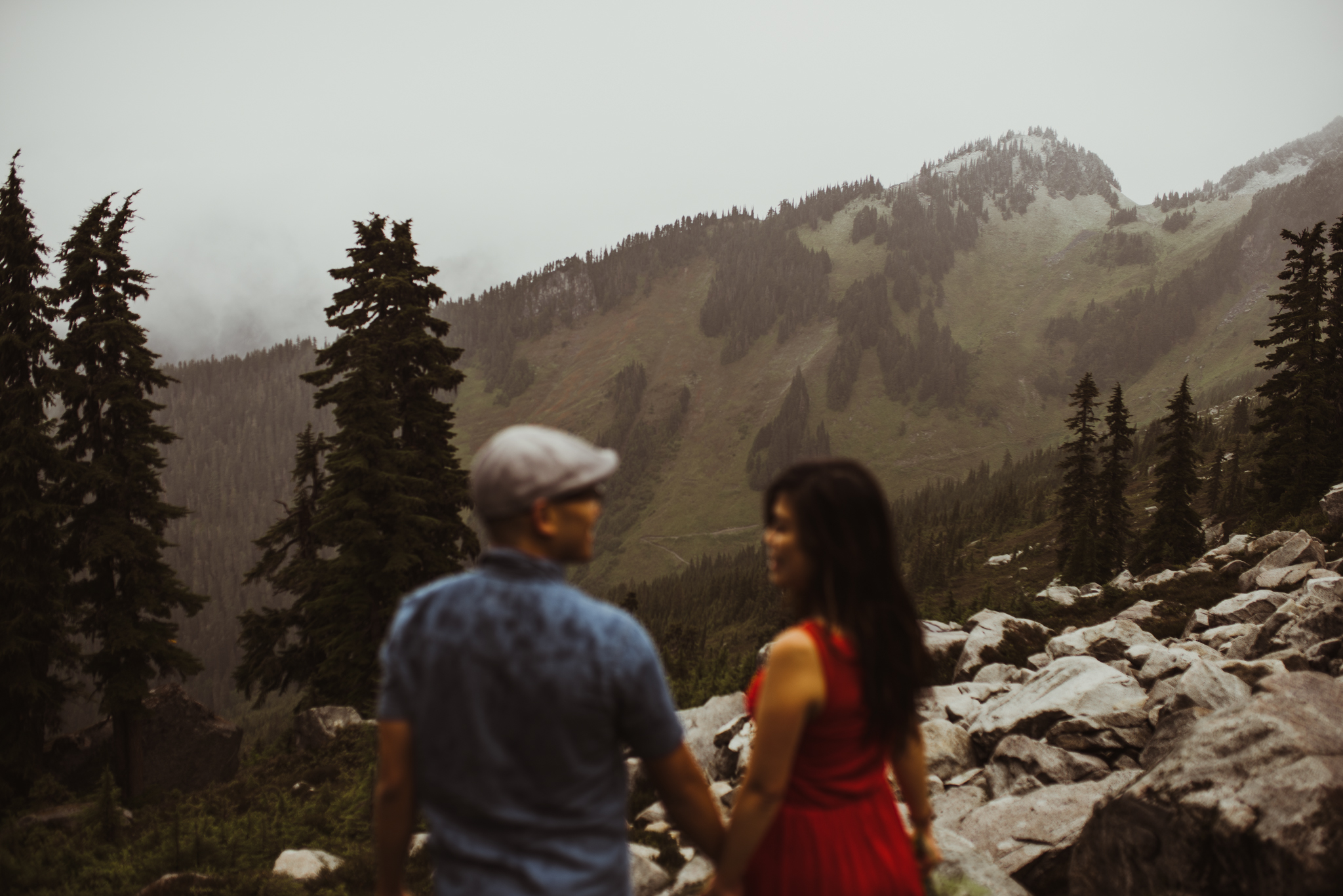 ©Isaiah-&-Taylor-Photography---Hidden-Lake-Cascade-Mountains-Engagement,-Washington-066.jpg
