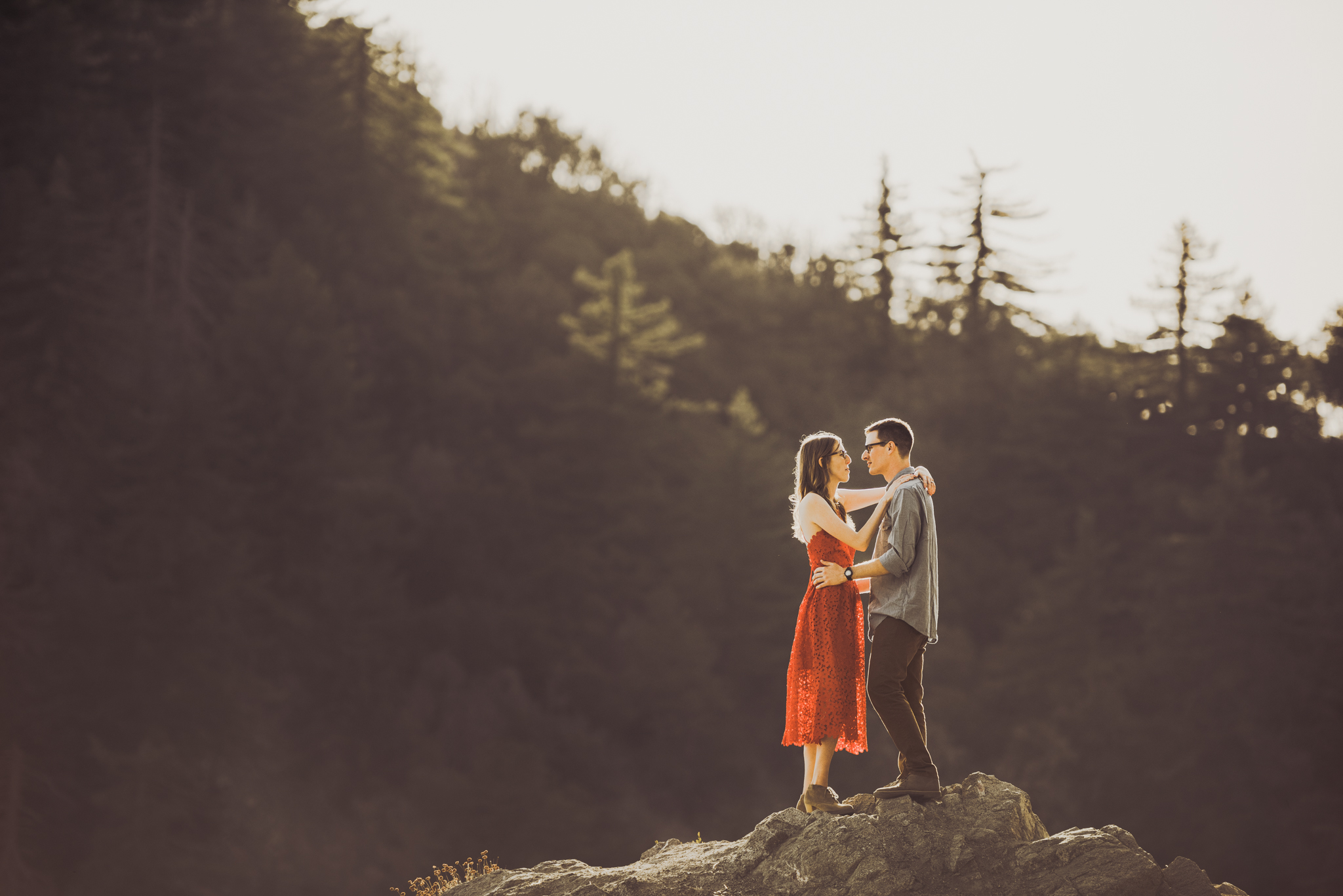 ©Isaiah + Taylor Photography - Los Angeles National Forest Engagement-0044.jpg