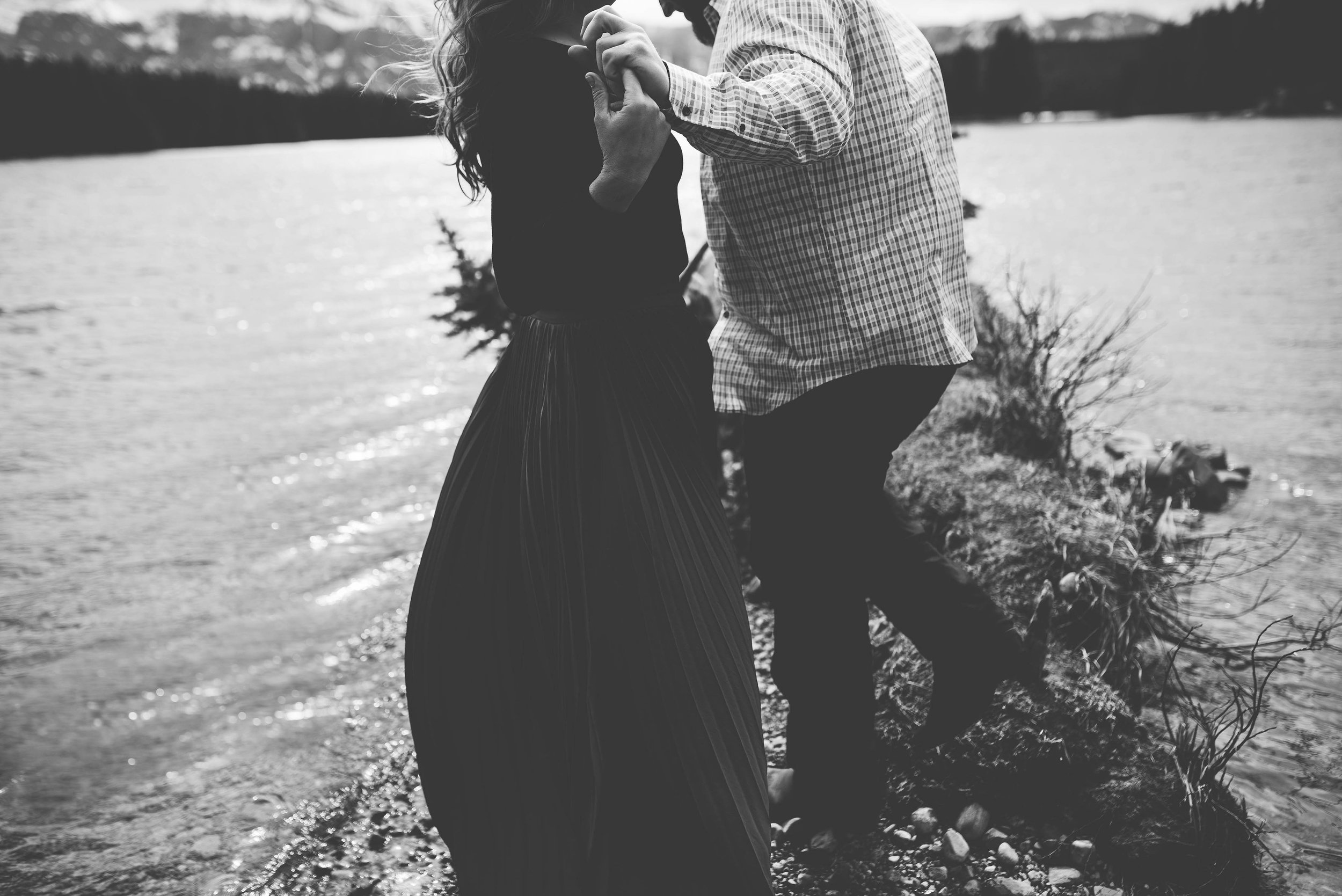 Isaiah-&-Taylor-Photography---Matt-&-Lindsay-Engagement-074.jpg