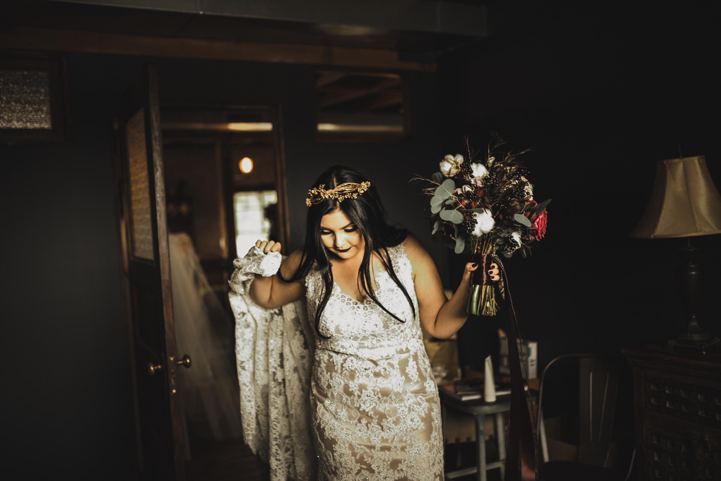 ©Isaiah + Taylor Photography - Smoky Hollow Studios Wedding, El Segundo, Los Angeles Wedding Photographer-17.jpg