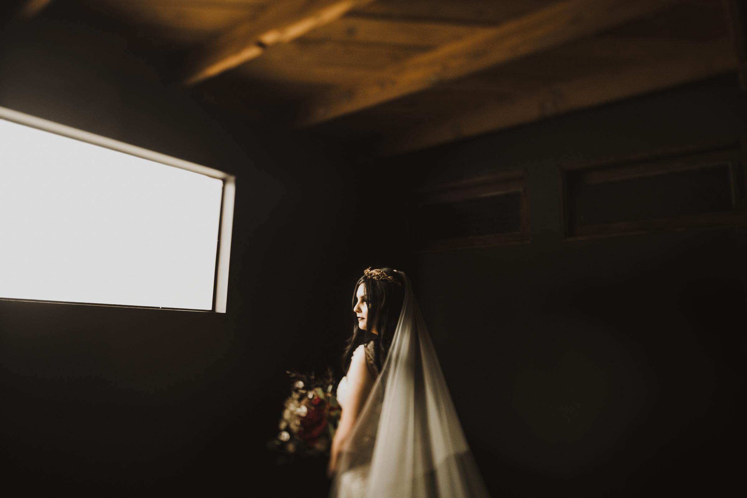 ©Isaiah + Taylor Photography - Smoky Hollow Studios Wedding, El Segundo, Los Angeles Wedding Photographer-21.jpg