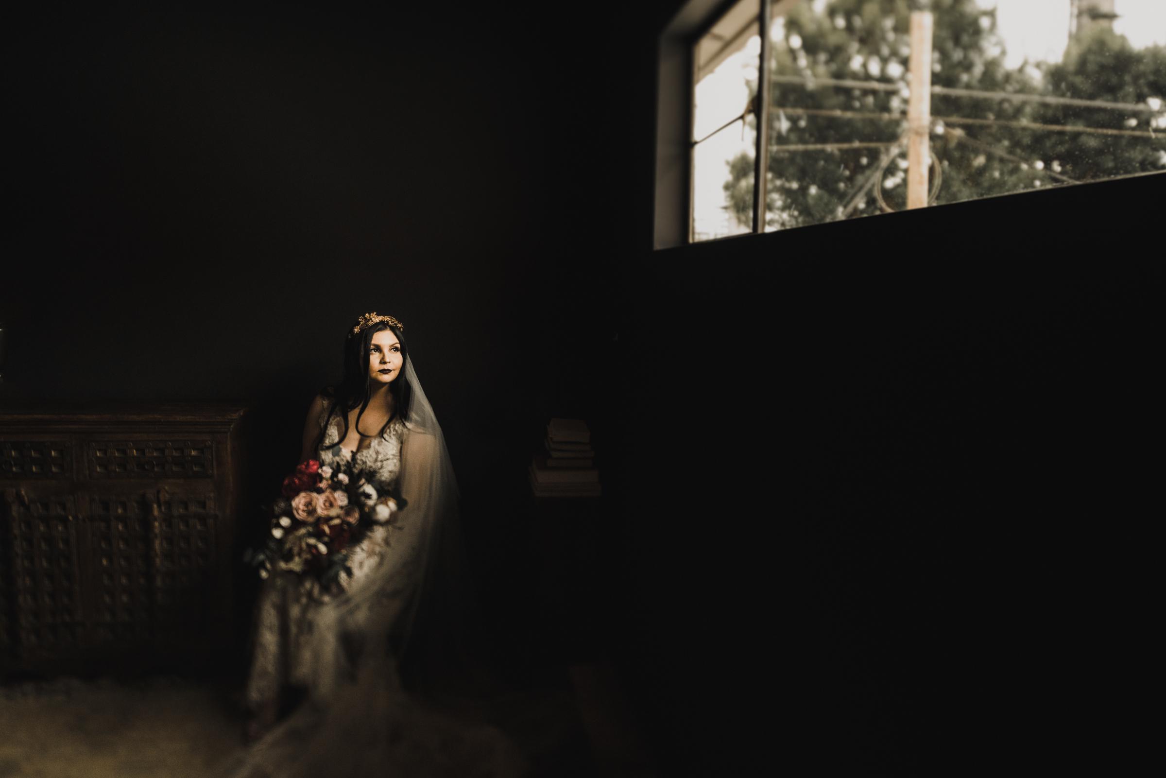 ©Isaiah + Taylor Photography - Smoky Hollow Studios Wedding, El Segundo, Los Angeles Wedding Photographer-24.jpg