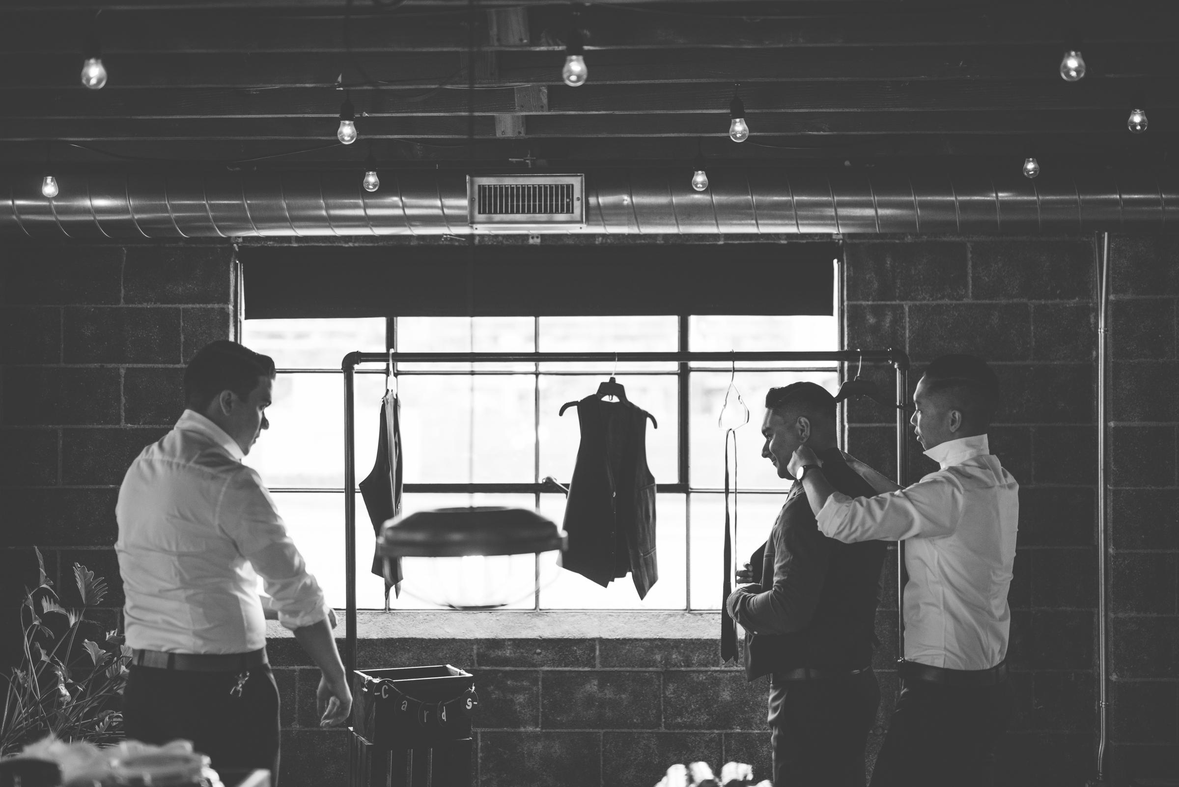 ©Isaiah + Taylor Photography - Smoky Hollow Studios Wedding, El Segundo, Los Angeles Wedding Photographer-34.jpg