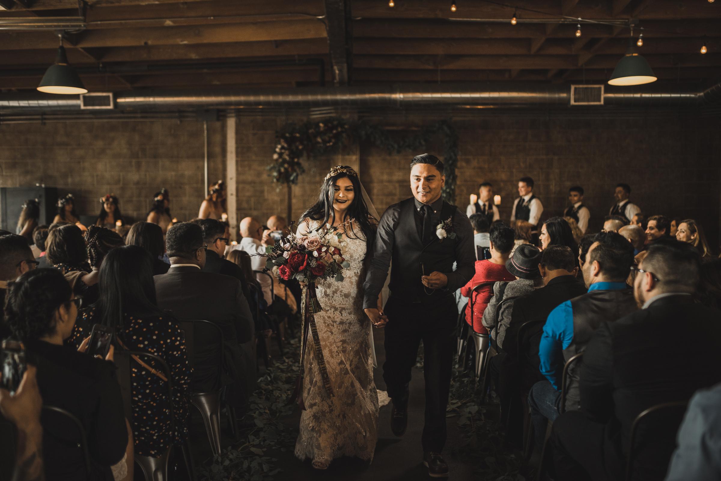 ©Isaiah + Taylor Photography - Smoky Hollow Studios Wedding, El Segundo, Los Angeles Wedding Photographer-55.jpg