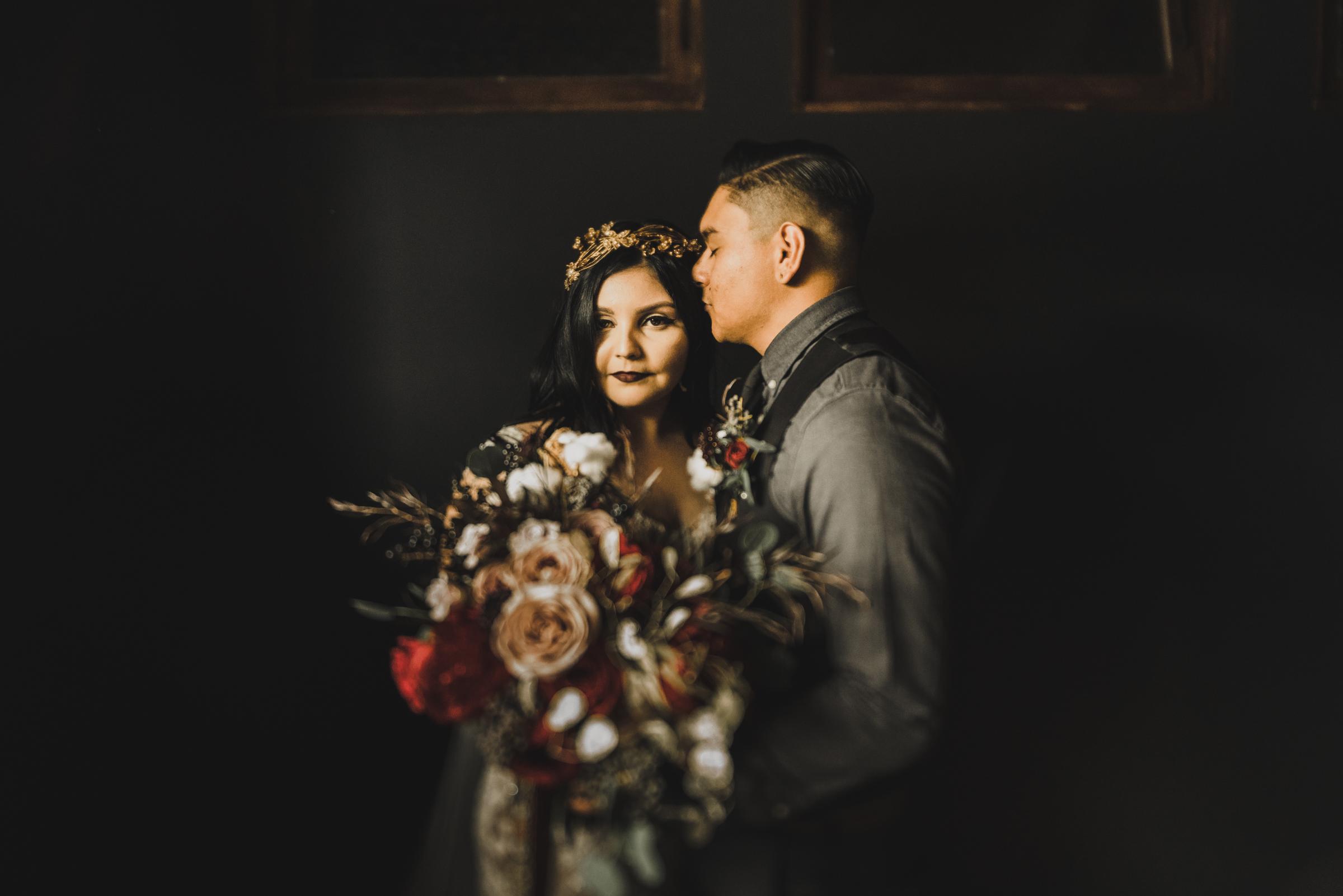 ©Isaiah + Taylor Photography - Smoky Hollow Studios Wedding, El Segundo, Los Angeles Wedding Photographer-60.jpg