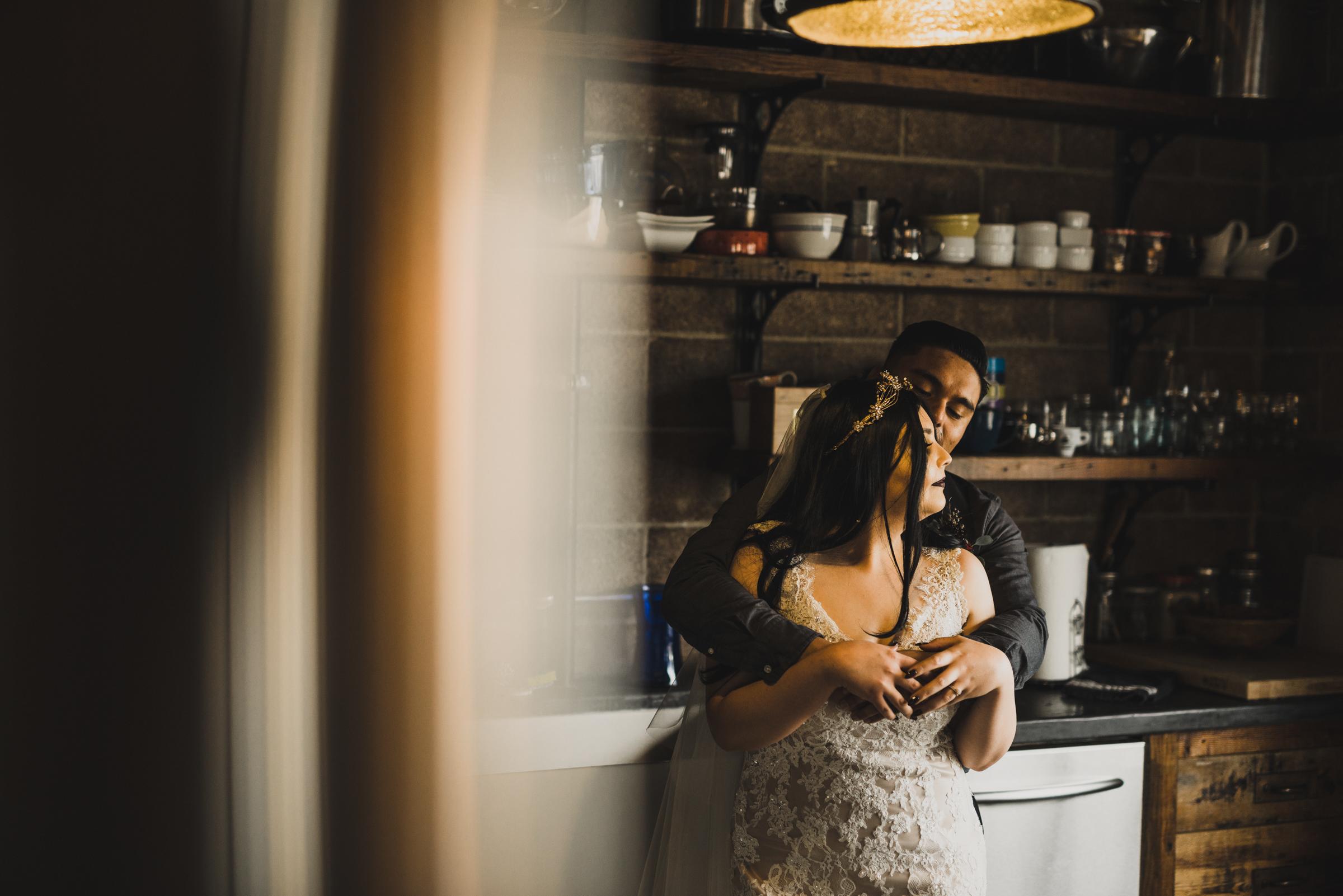 ©Isaiah + Taylor Photography - Smoky Hollow Studios Wedding, El Segundo, Los Angeles Wedding Photographer-68.jpg