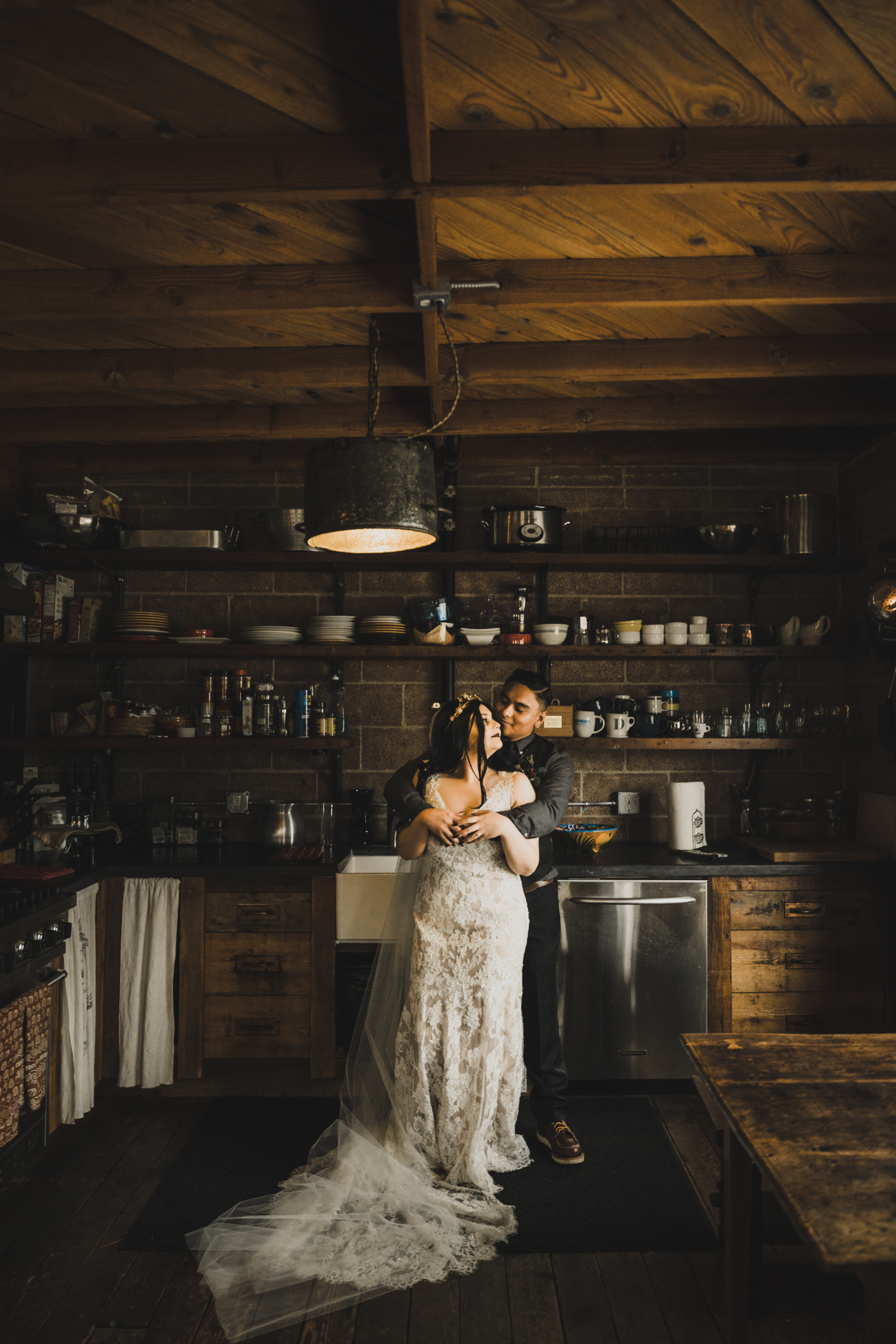 ©Isaiah + Taylor Photography - Smoky Hollow Studios Wedding, El Segundo, Los Angeles Wedding Photographer-69.jpg