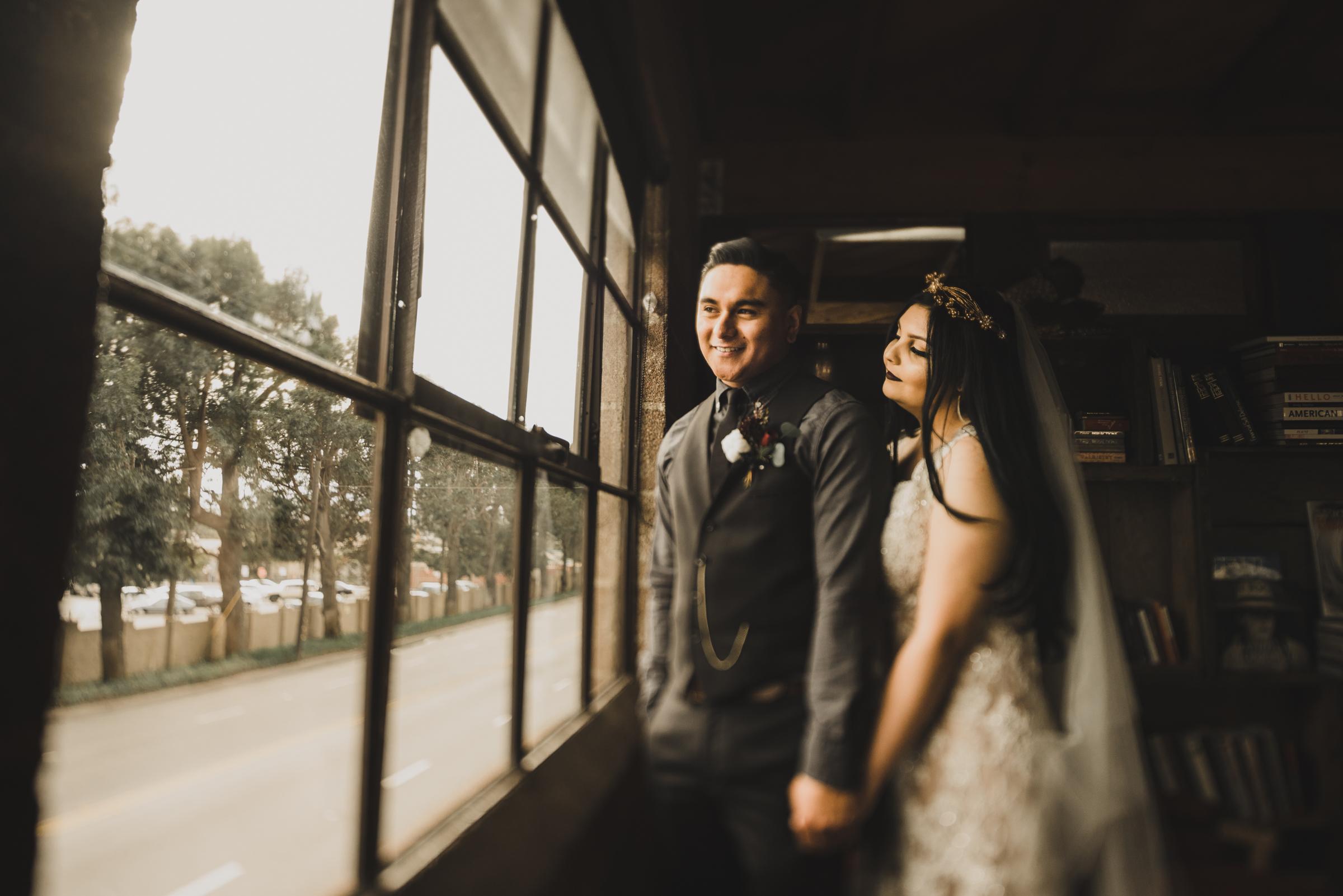©Isaiah + Taylor Photography - Smoky Hollow Studios Wedding, El Segundo, Los Angeles Wedding Photographer-71.jpg