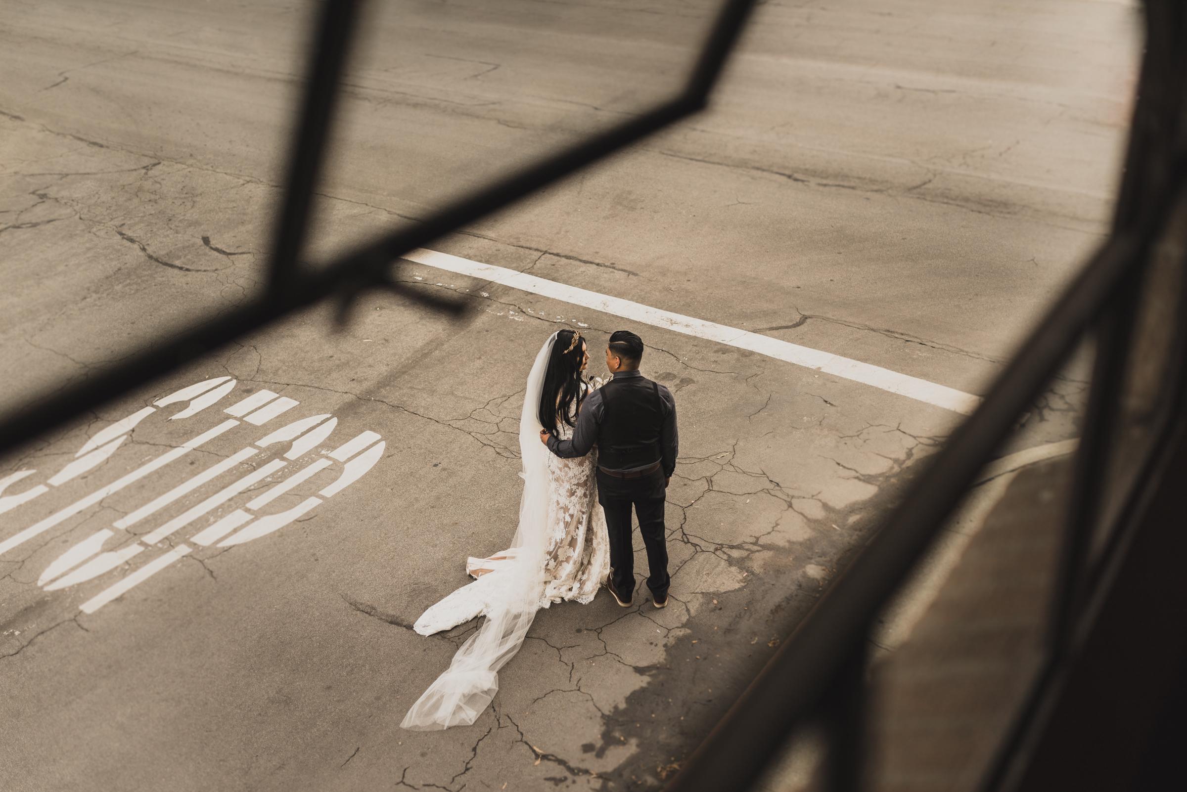 ©Isaiah + Taylor Photography - Smoky Hollow Studios Wedding, El Segundo, Los Angeles Wedding Photographer-74.jpg