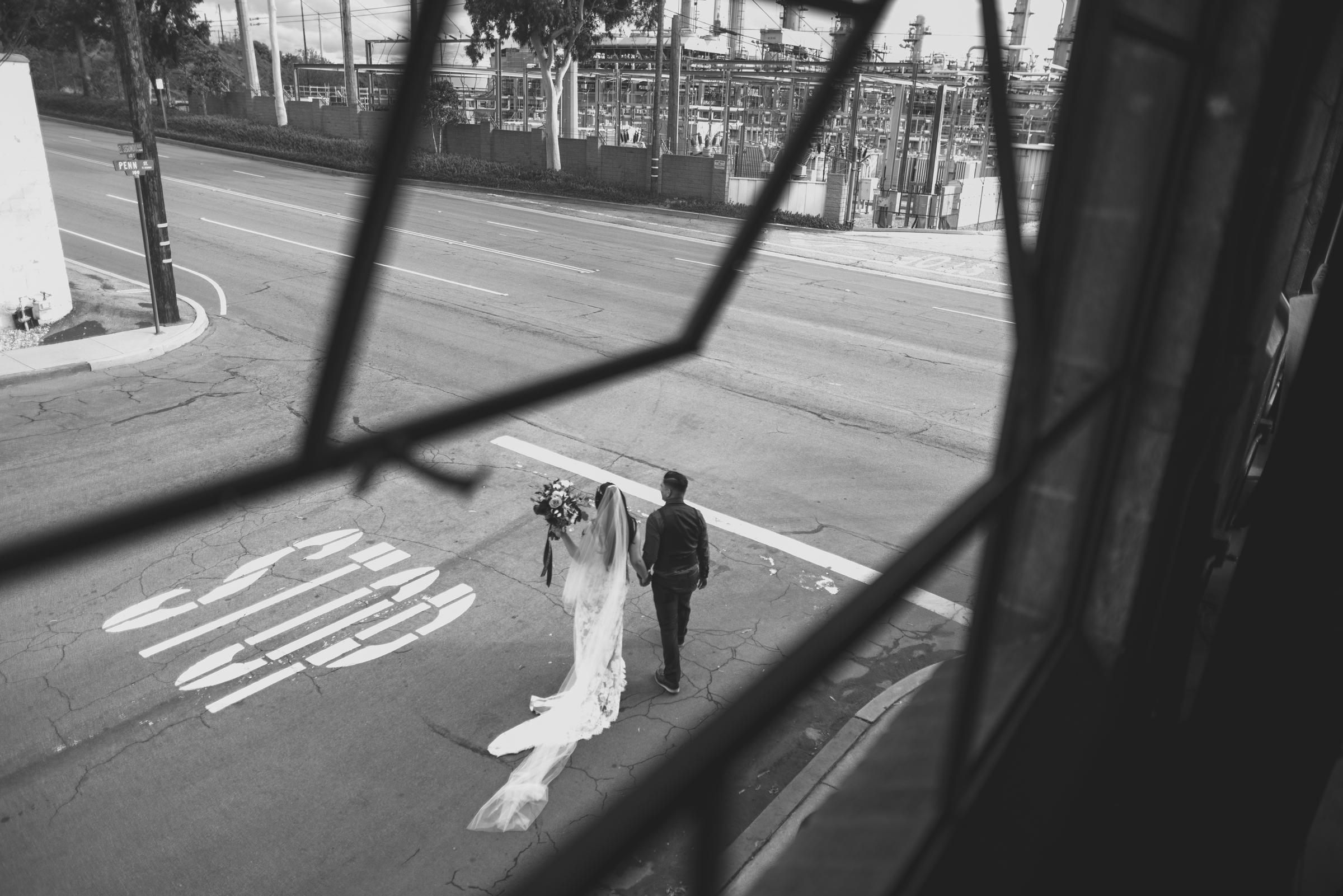 ©Isaiah + Taylor Photography - Smoky Hollow Studios Wedding, El Segundo, Los Angeles Wedding Photographer-75.jpg