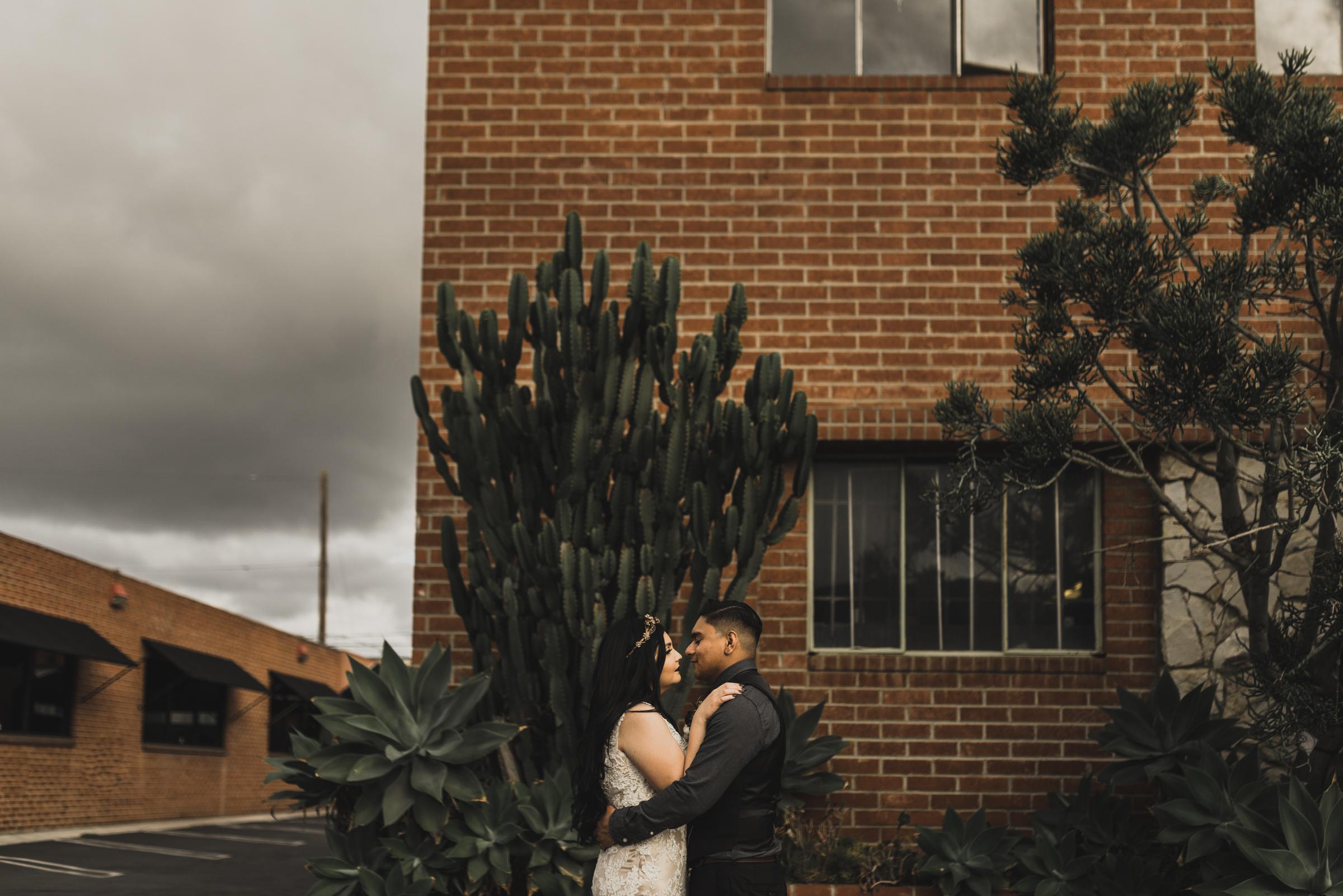 ©Isaiah + Taylor Photography - Smoky Hollow Studios Wedding, El Segundo, Los Angeles Wedding Photographer-88.jpg