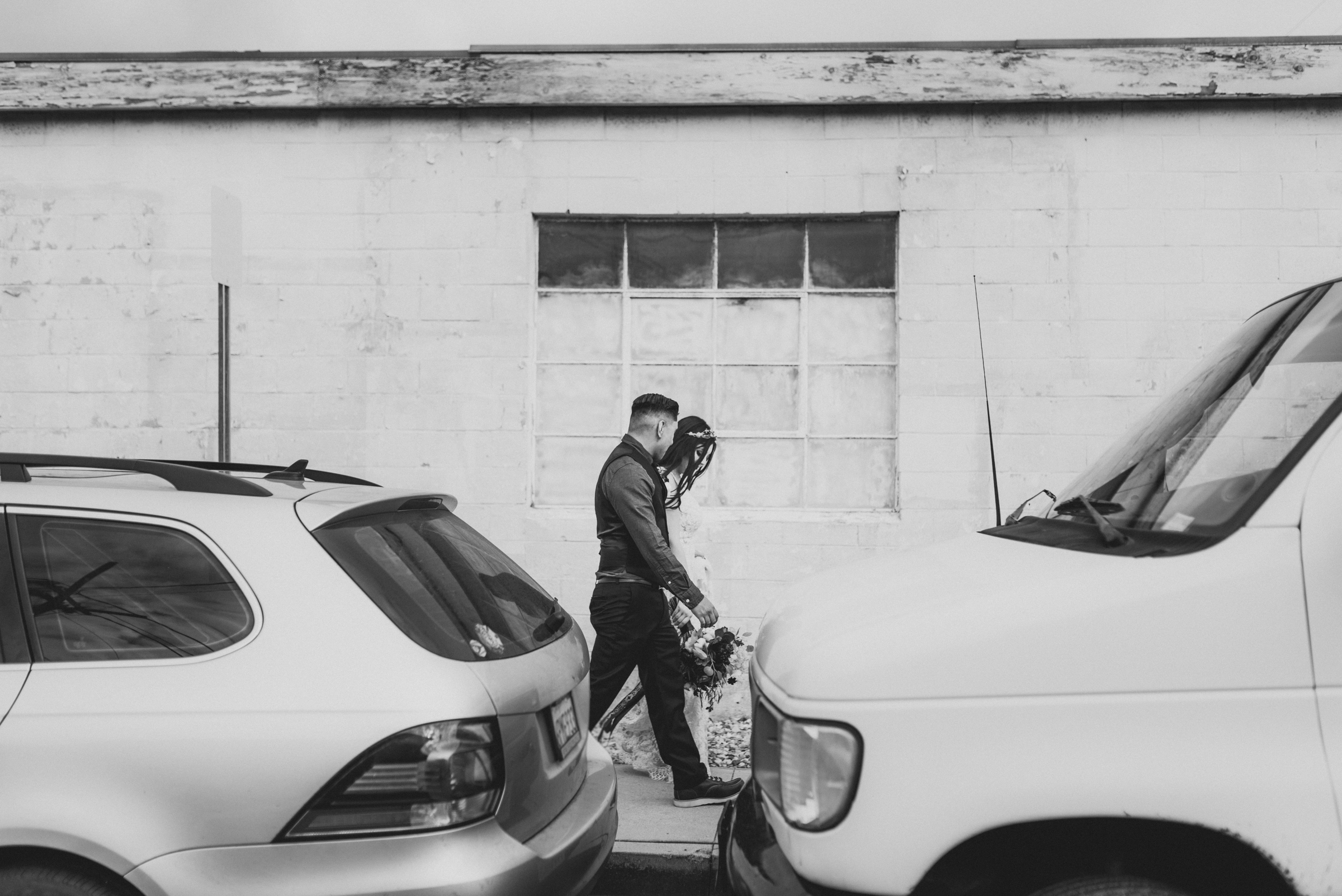 ©Isaiah + Taylor Photography - Smoky Hollow Studios Wedding, El Segundo, Los Angeles Wedding Photographer-92.jpg