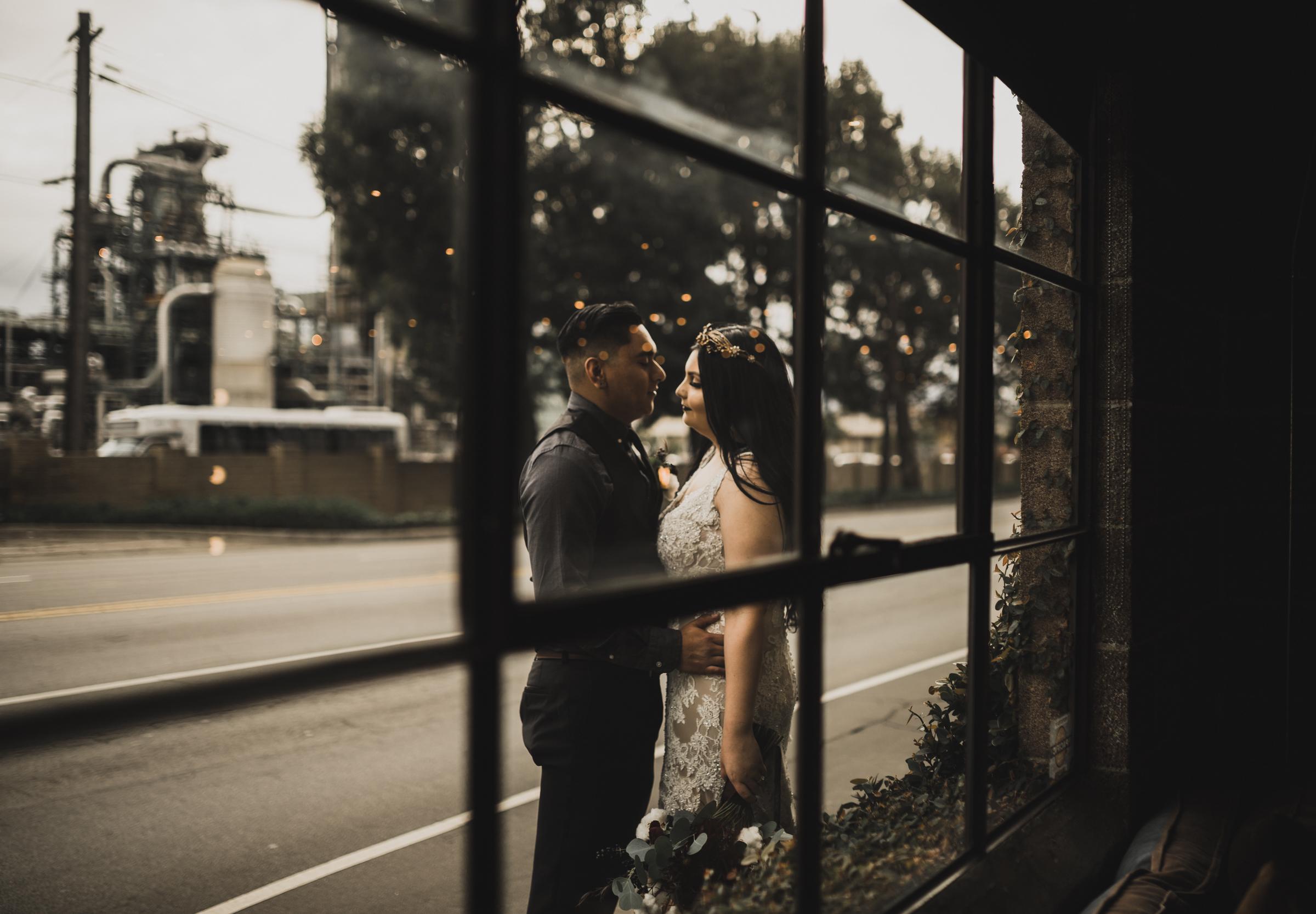 ©Isaiah + Taylor Photography - Smoky Hollow Studios Wedding, El Segundo, Los Angeles Wedding Photographer-98.jpg