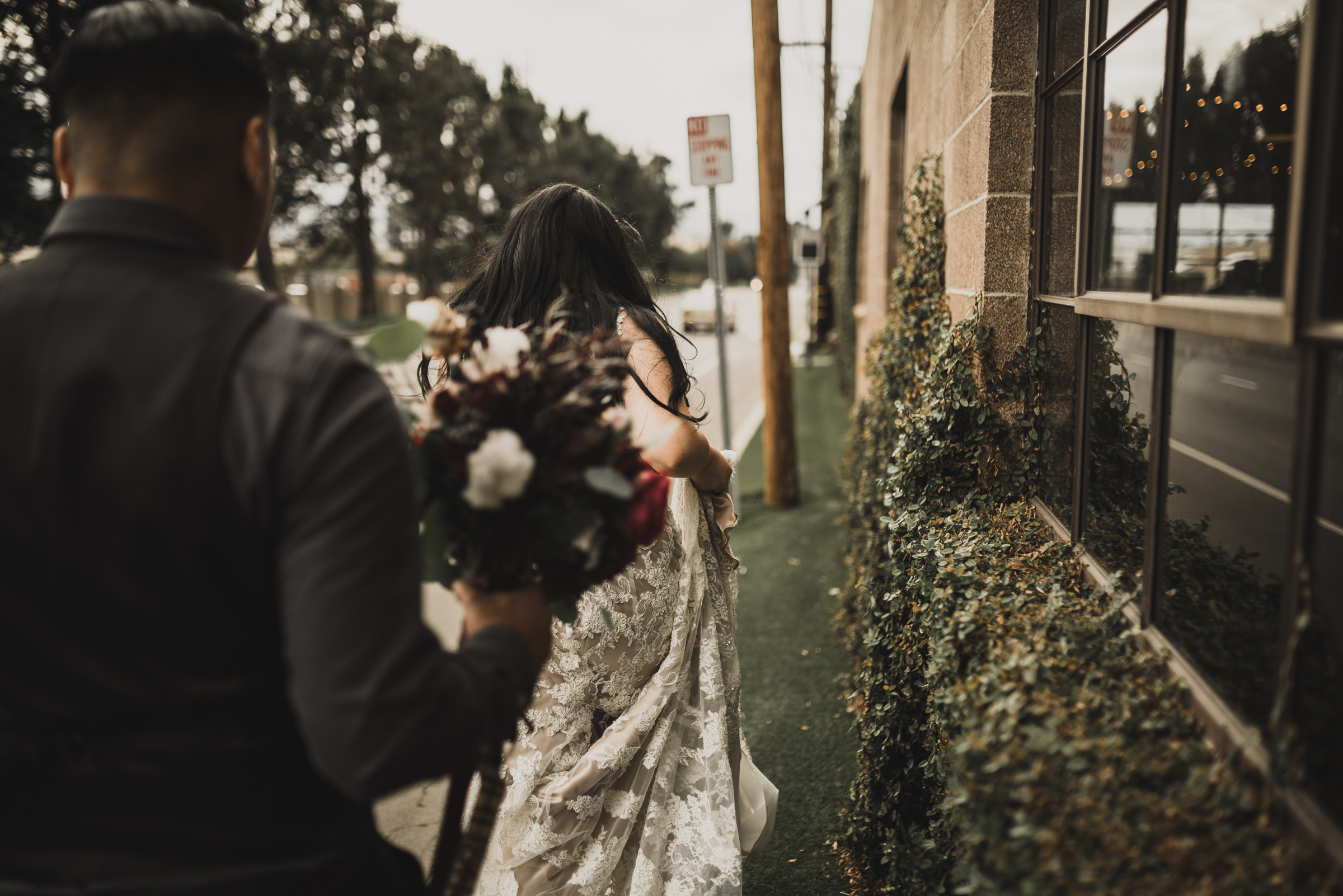 ©Isaiah + Taylor Photography - Smoky Hollow Studios Wedding, El Segundo, Los Angeles Wedding Photographer-100.jpg