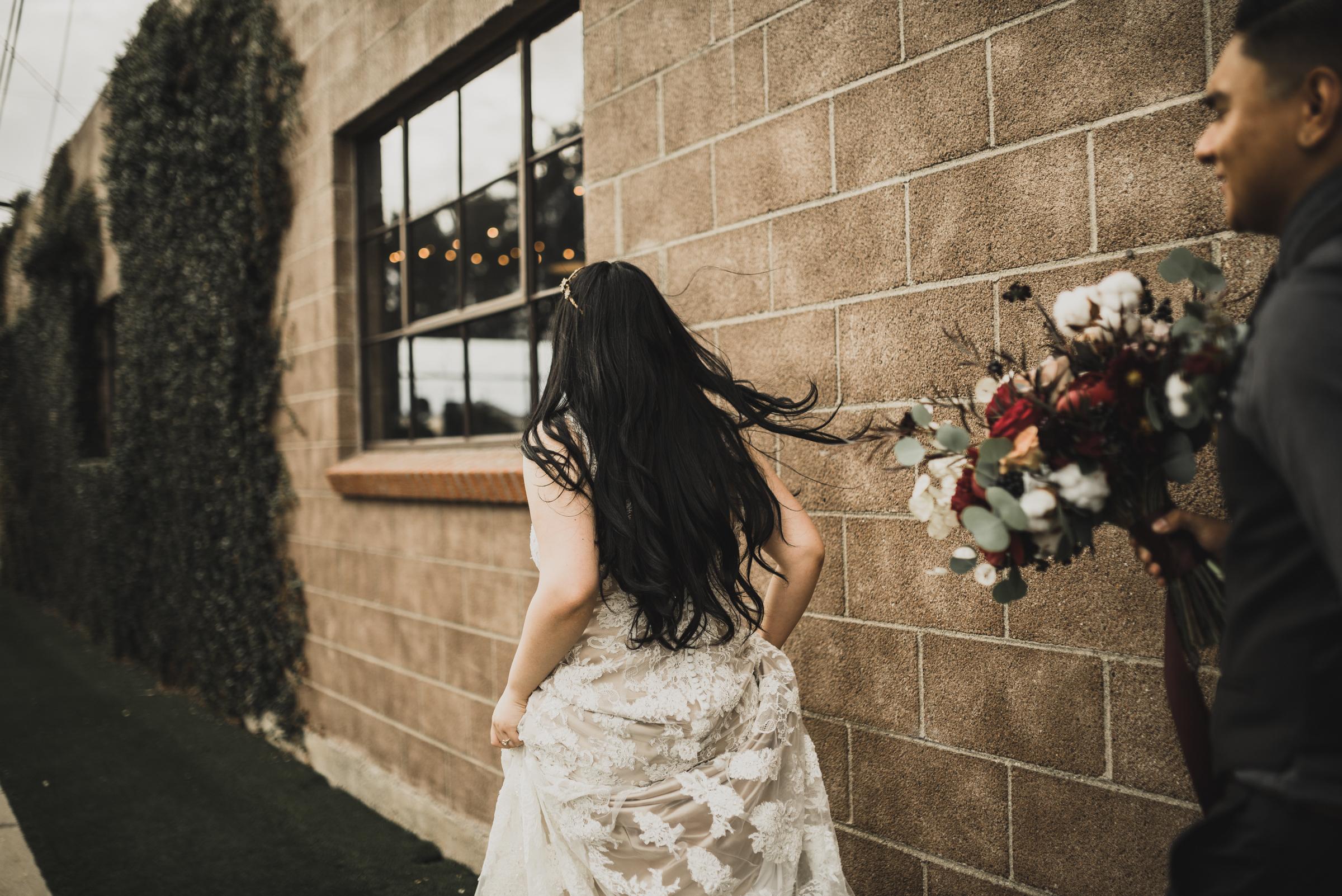 ©Isaiah + Taylor Photography - Smoky Hollow Studios Wedding, El Segundo, Los Angeles Wedding Photographer-101.jpg