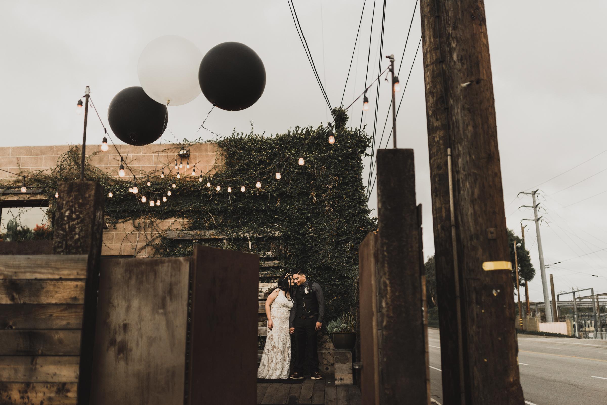 ©Isaiah + Taylor Photography - Smoky Hollow Studios Wedding, El Segundo, Los Angeles Wedding Photographer-111.jpg