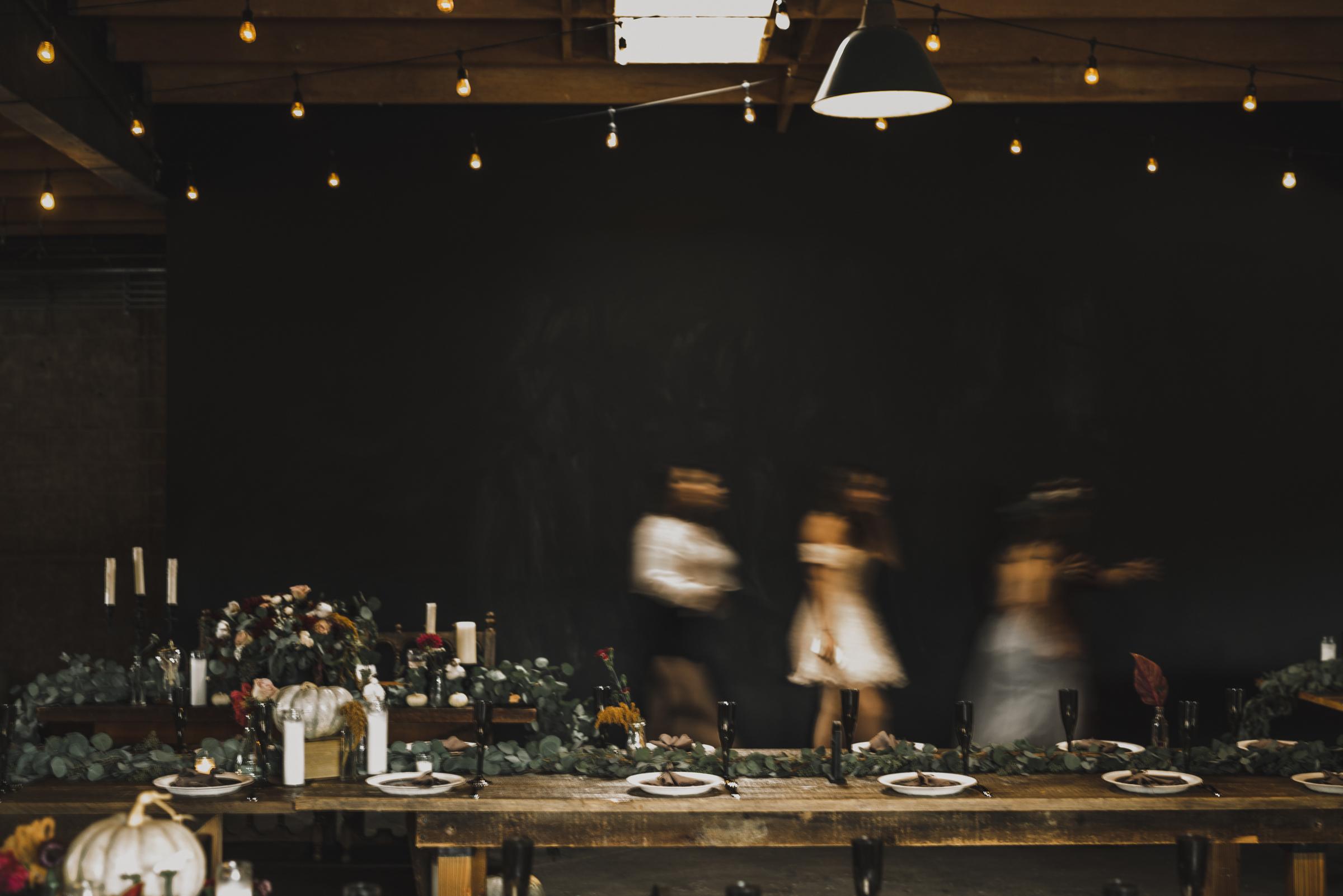 ©Isaiah + Taylor Photography - Smoky Hollow Studios Wedding, El Segundo, Los Angeles Wedding Photographer-116.jpg