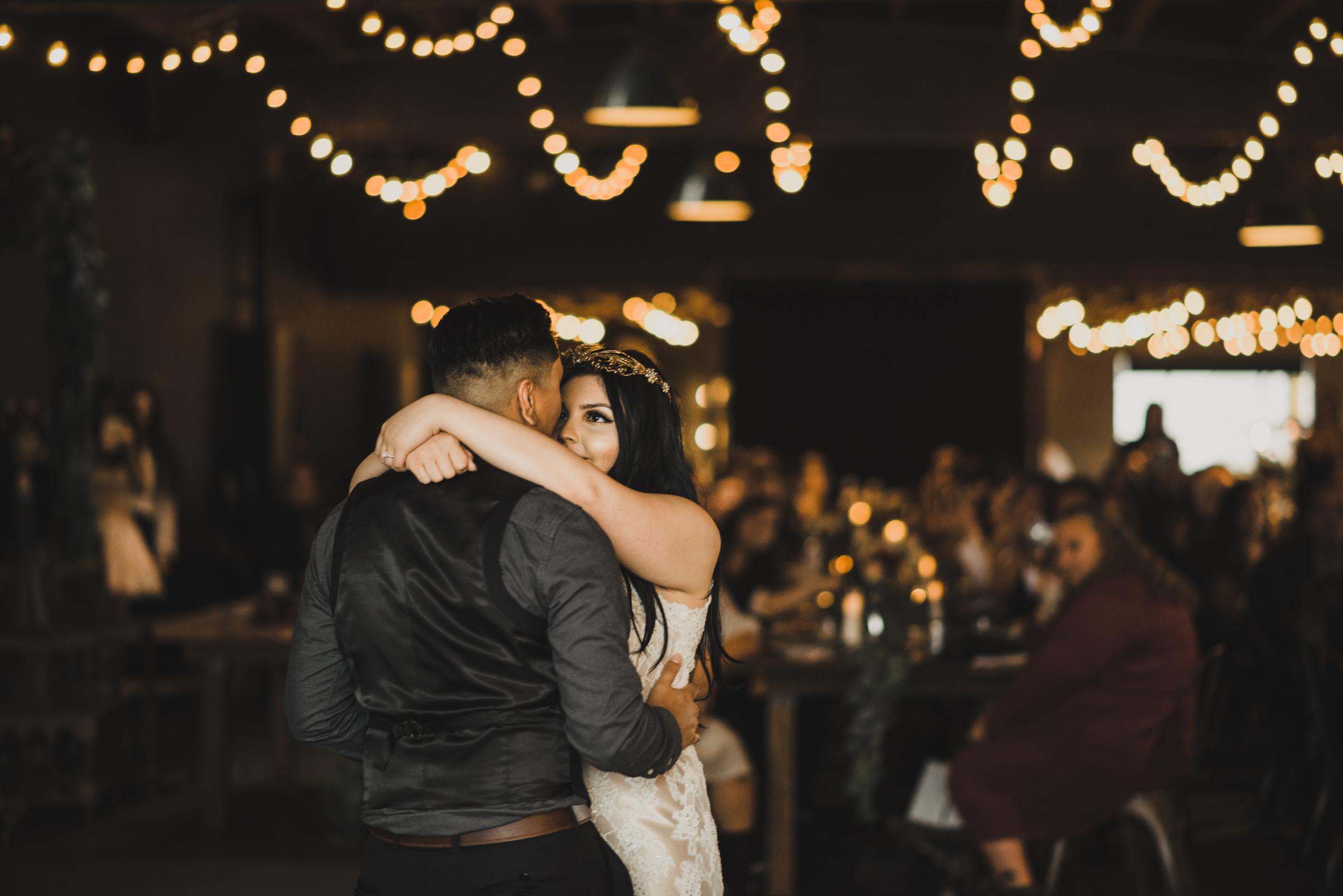 ©Isaiah + Taylor Photography - Smoky Hollow Studios Wedding, El Segundo, Los Angeles Wedding Photographer-118.jpg