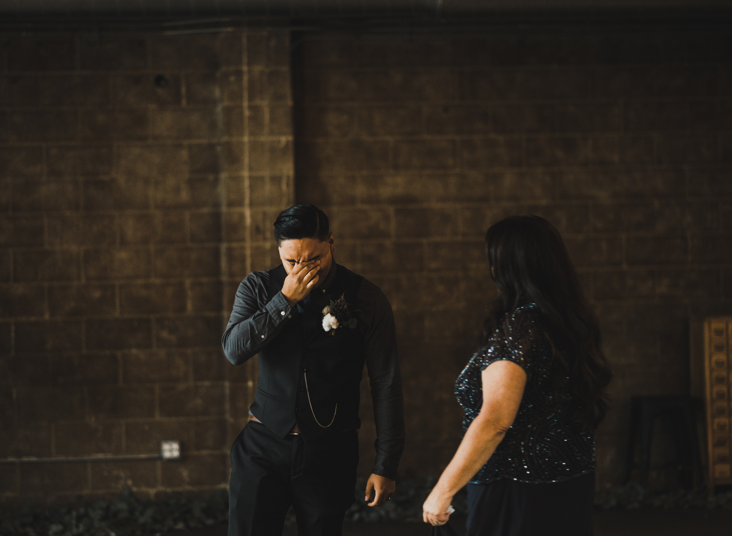 ©Isaiah + Taylor Photography - Smoky Hollow Studios Wedding, El Segundo, Los Angeles Wedding Photographer-122.jpg