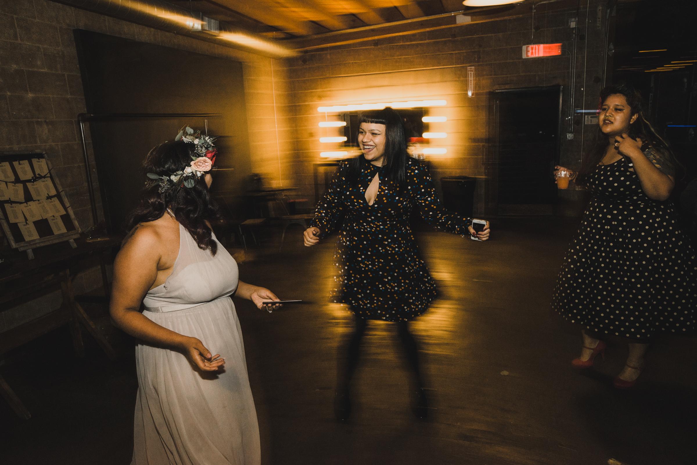 ©Isaiah + Taylor Photography - Smoky Hollow Studios Wedding, El Segundo, Los Angeles Wedding Photographer-126.jpg