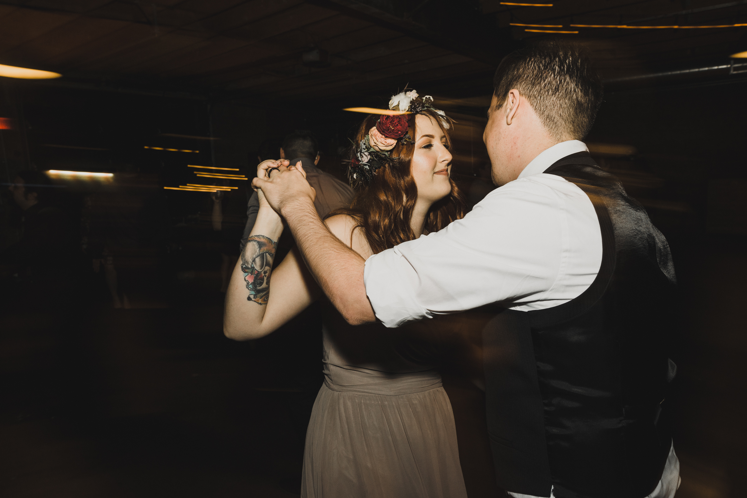 ©Isaiah + Taylor Photography - Smoky Hollow Studios Wedding, El Segundo, Los Angeles Wedding Photographer-129.jpg