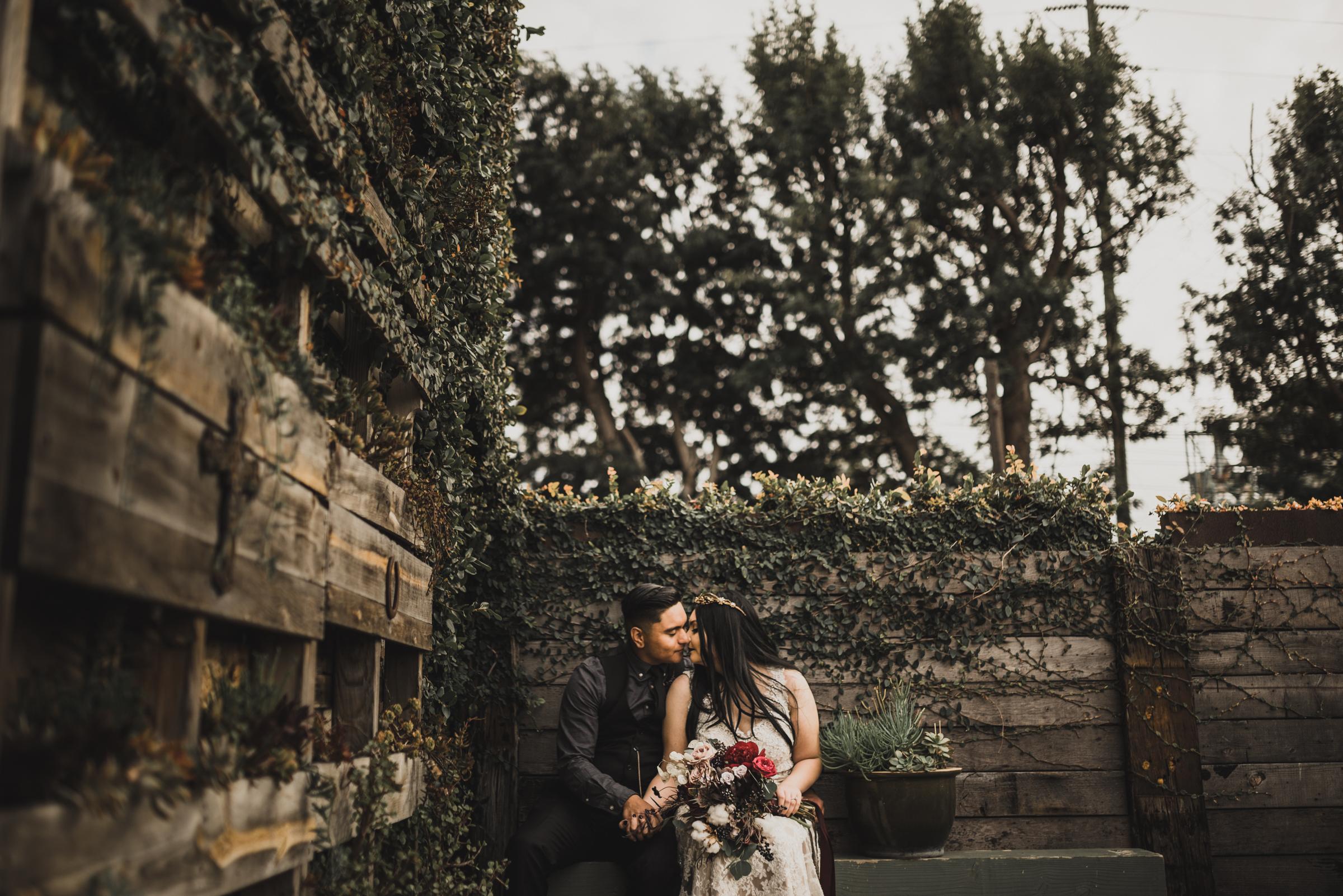 ©Isaiah + Taylor Photography - Smoky Hollow Studios Wedding, El Segundo, Los Angeles Wedding Photographer-106.jpg