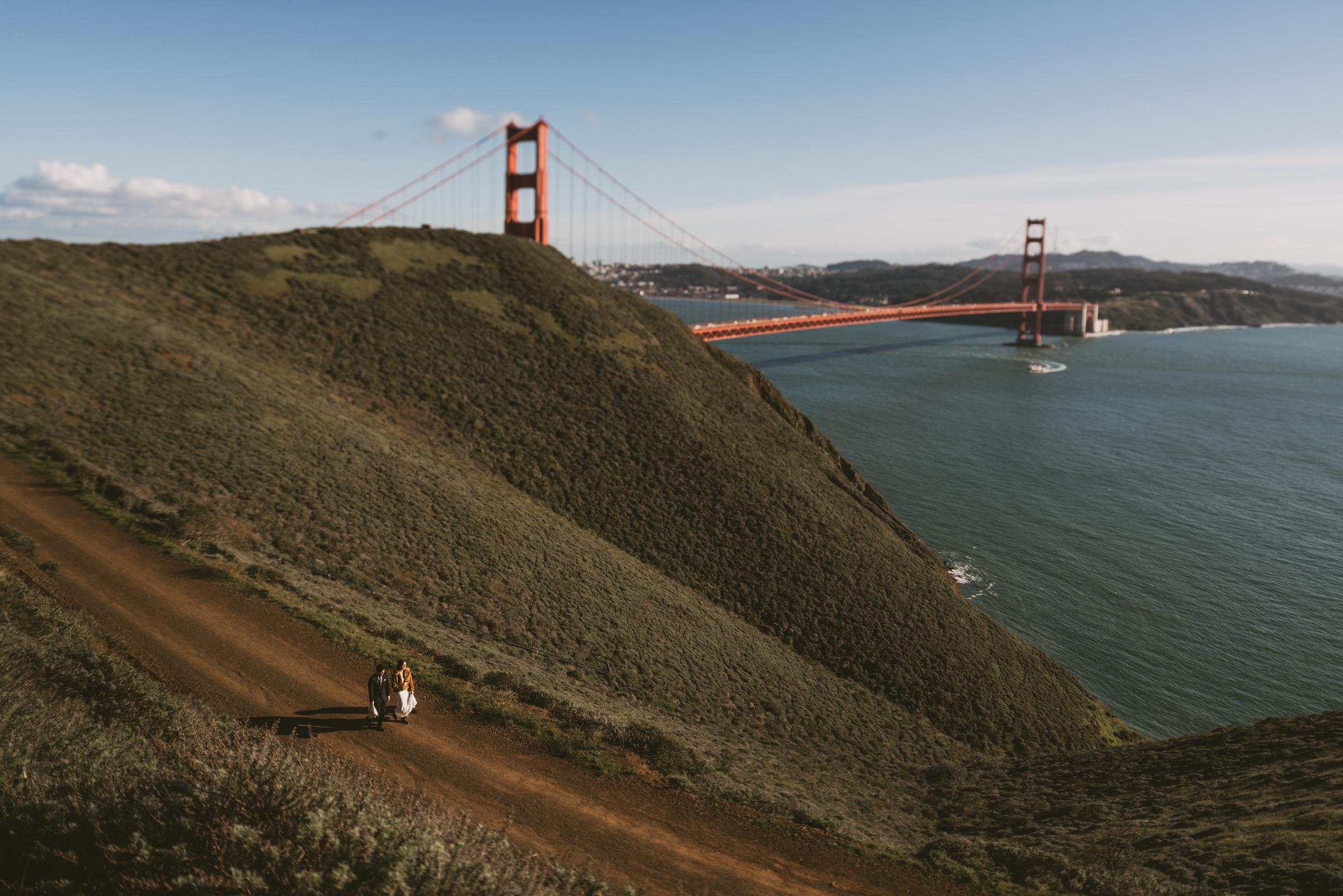 ©Isaiah + Taylor Photography - San Fransisco Elopement, Golden Gate Bridge-19.jpg