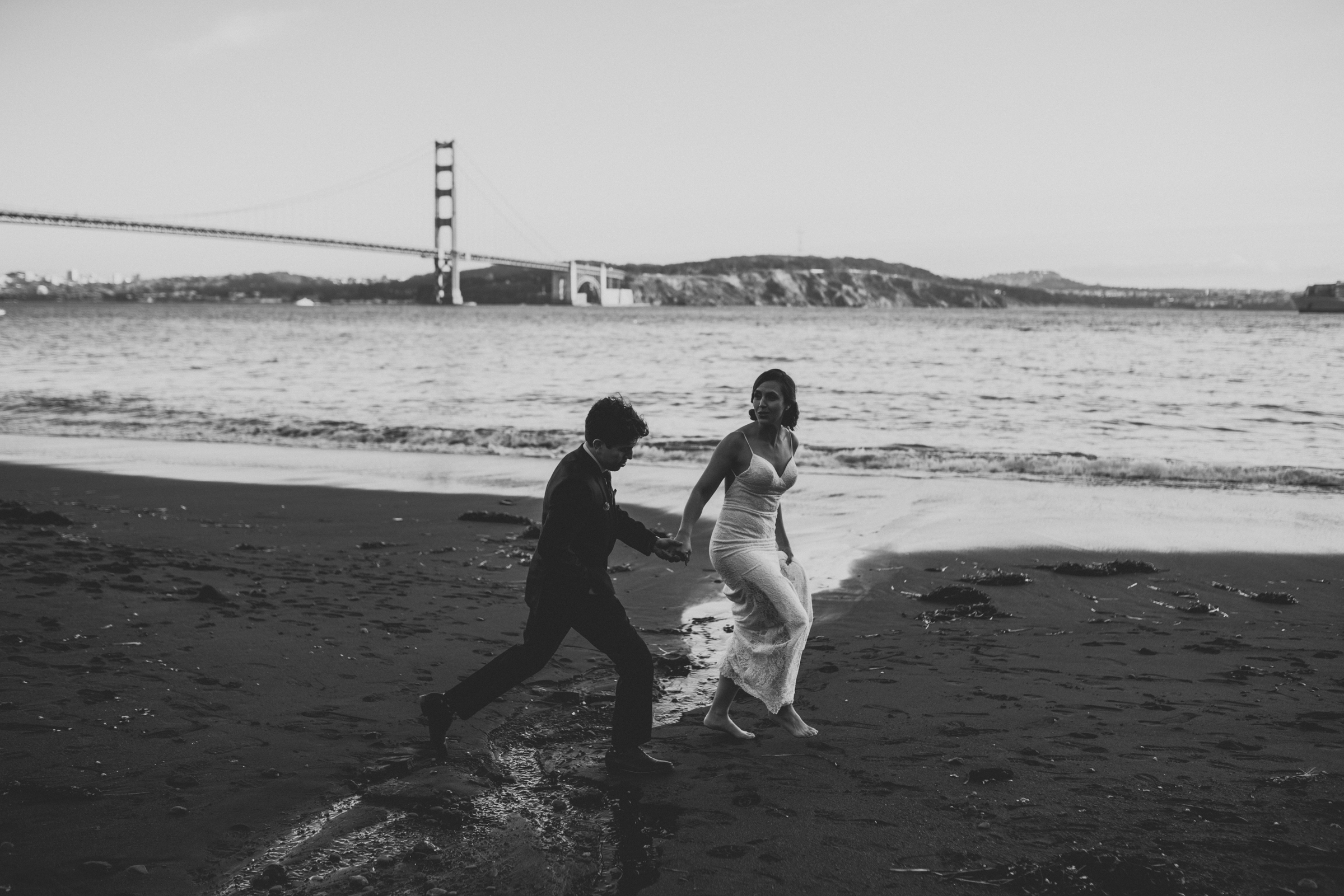 ©Isaiah + Taylor Photography - San Fransisco Elopement, Golden Gate Bridge-89.jpg
