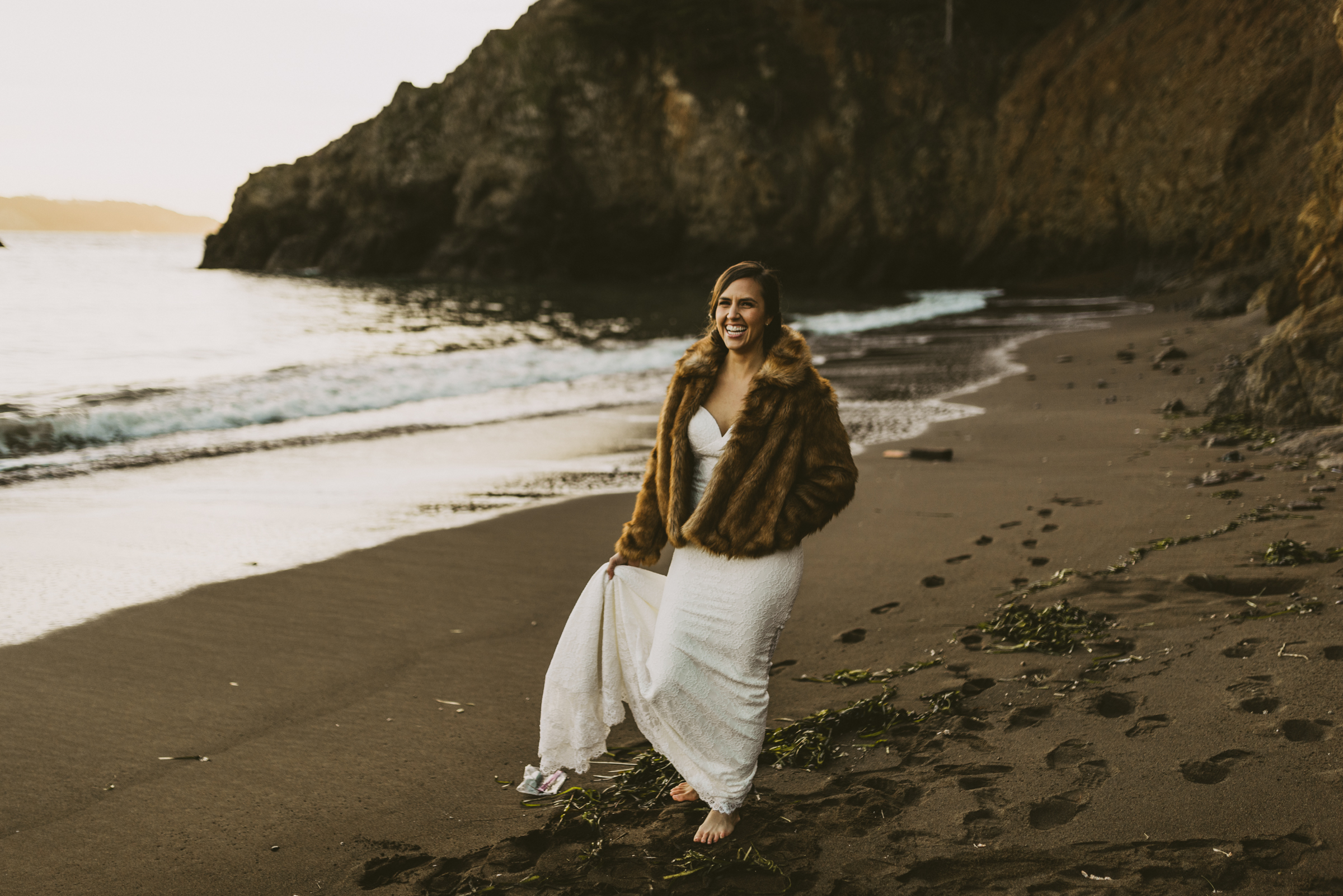 ©Isaiah + Taylor Photography - San Fransisco Elopement, Golden Gate Bridge-100.jpg