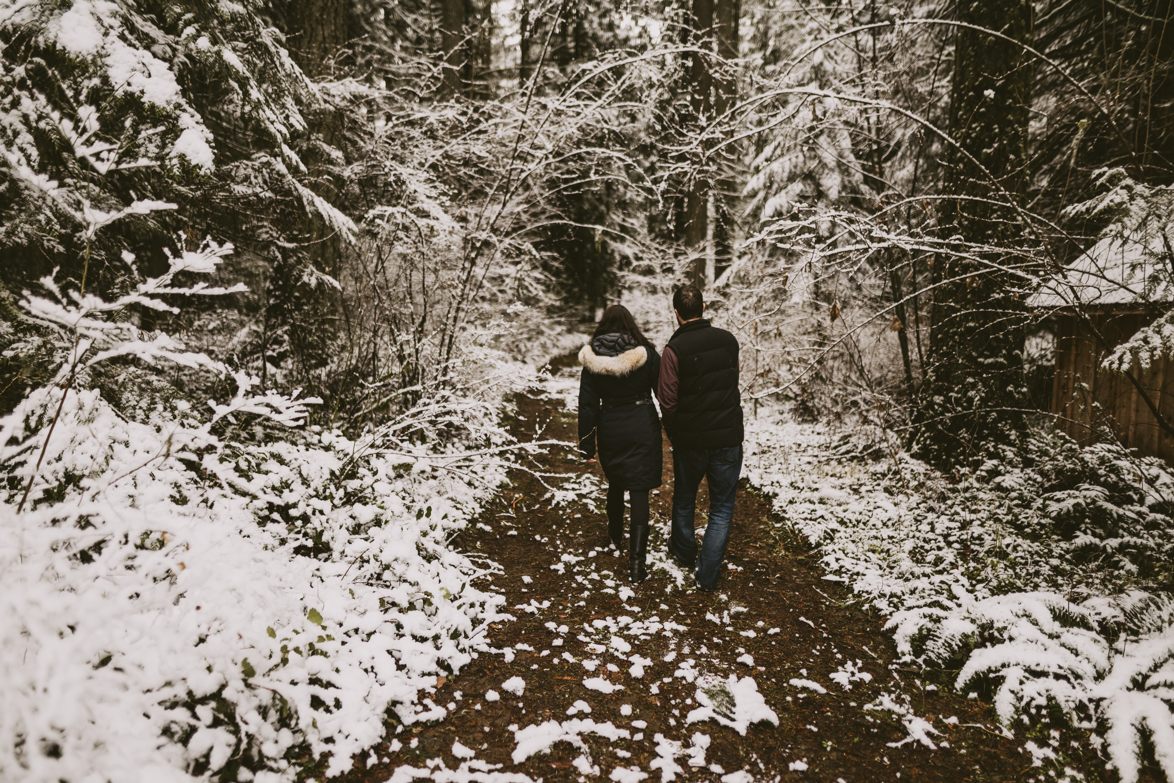 © Isaiah + Taylor Photography - Portland, Oregon Winter Forest Cabin Engagement-6.jpg