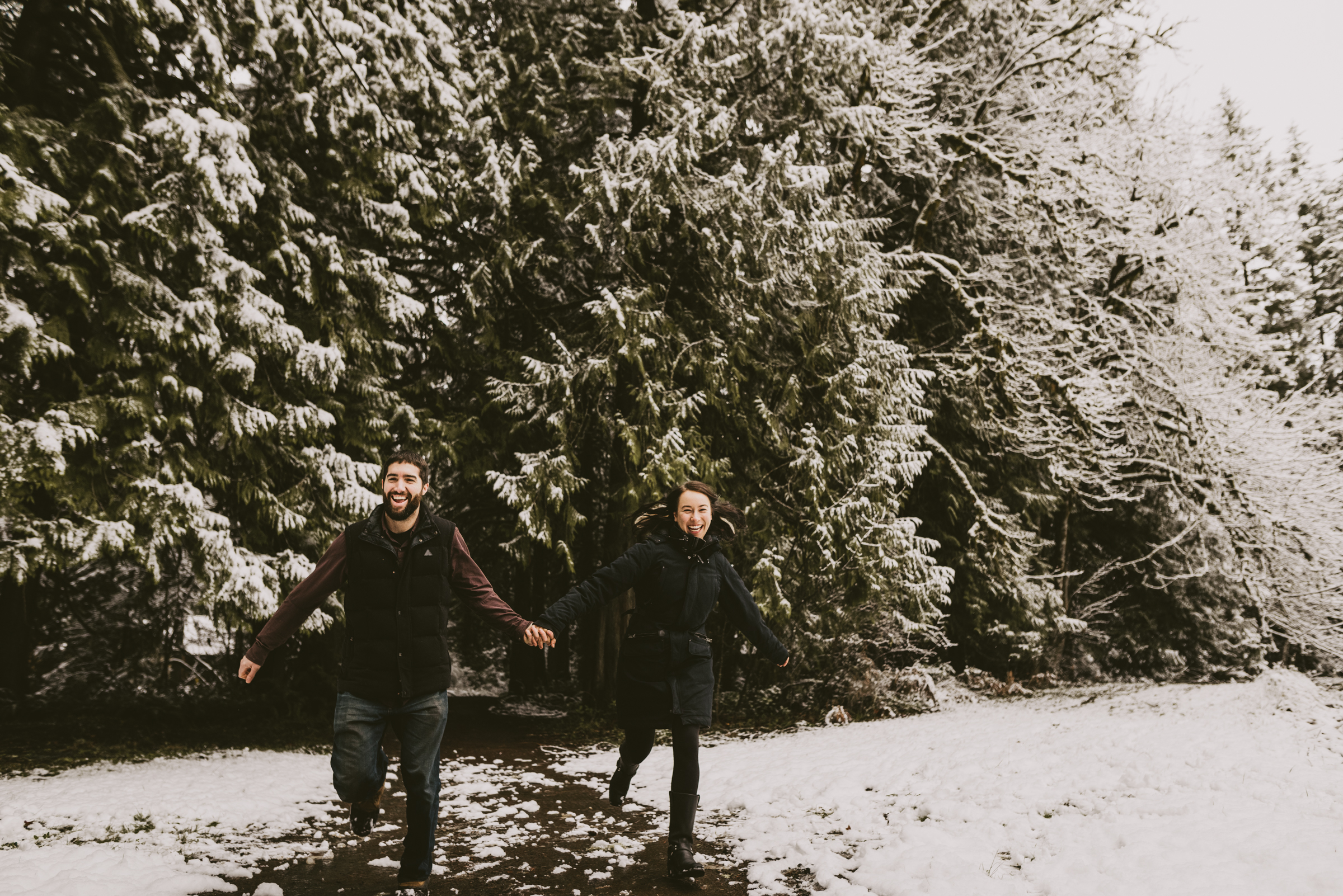 © Isaiah + Taylor Photography - Portland, Oregon Winter Forest Cabin Engagement-10.jpg