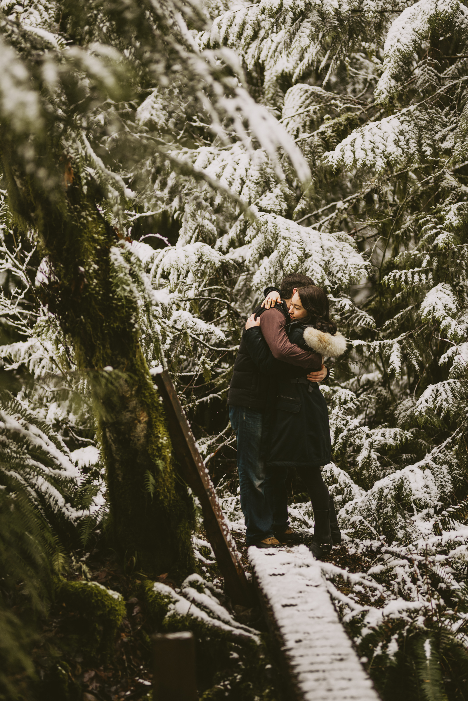 © Isaiah + Taylor Photography - Portland, Oregon Winter Forest Cabin Engagement-15.jpg