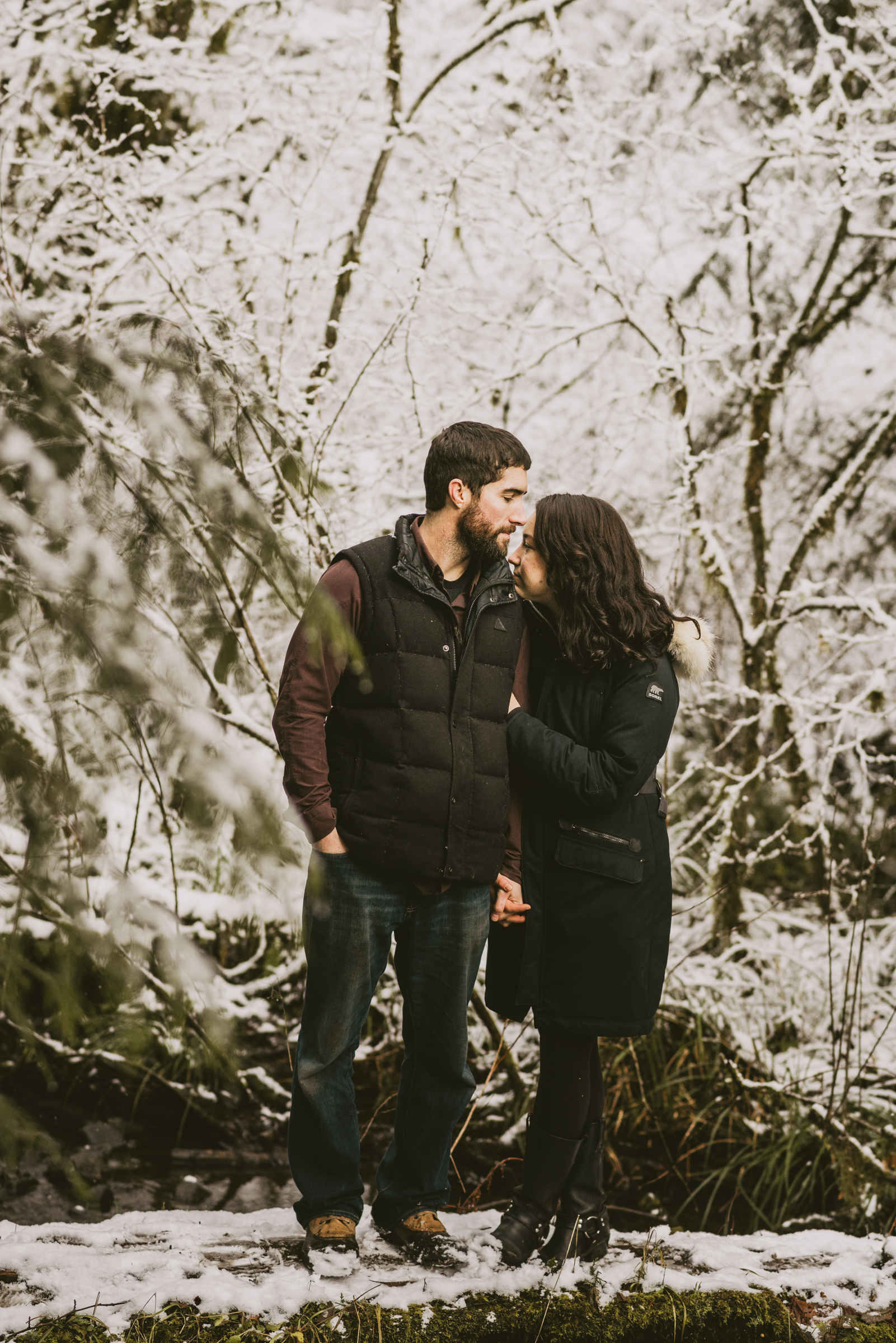 © Isaiah + Taylor Photography - Portland, Oregon Winter Forest Cabin Engagement-16.jpg