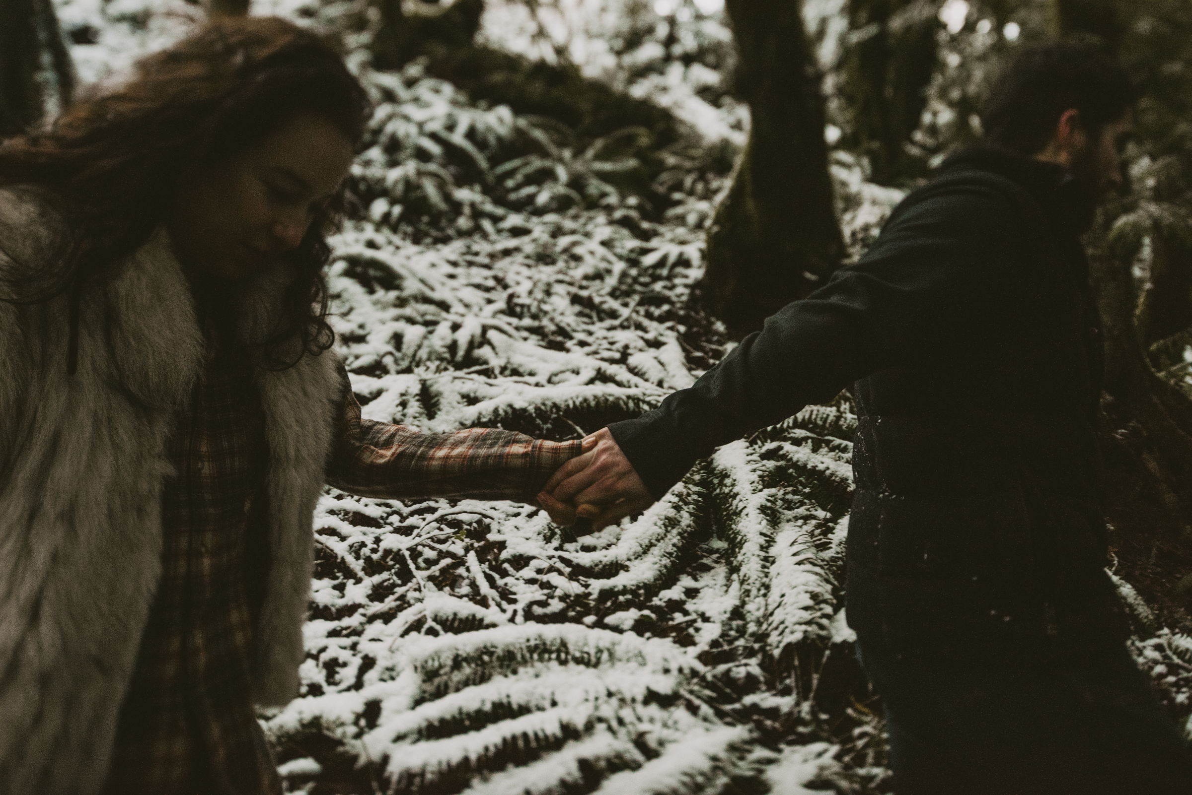 © Isaiah + Taylor Photography - Portland, Oregon Winter Forest Cabin Engagement-49.jpg