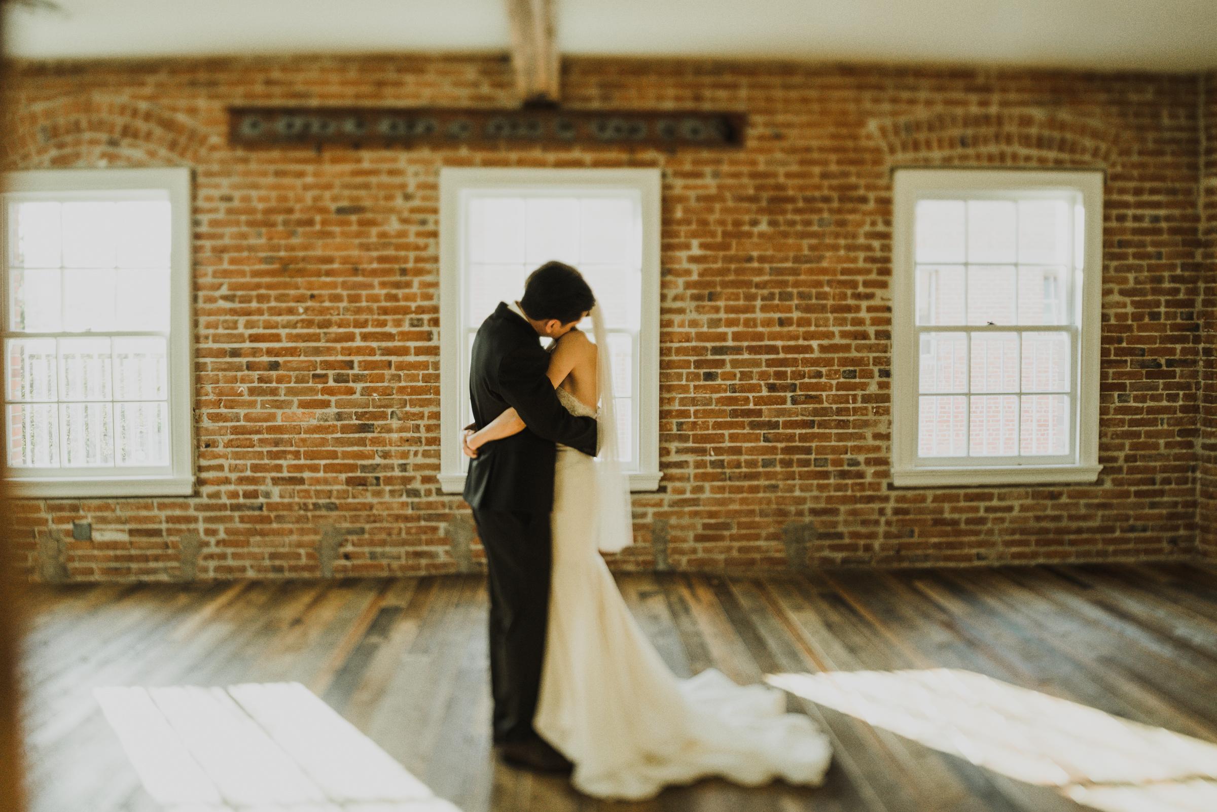 ©Isaiah + Taylor Photography - The Estate On Second Wedding, Santa Ana - Orange County Wedding Photographer-32.jpg