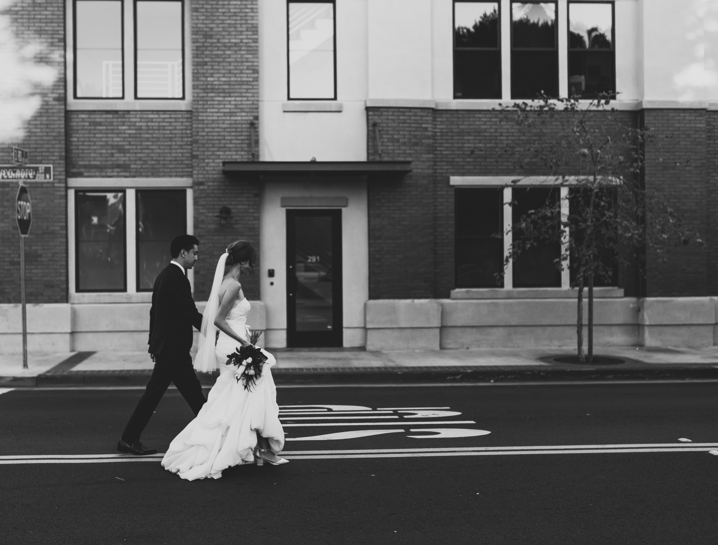 ©Isaiah + Taylor Photography - The Estate On Second Wedding, Santa Ana - Orange County Wedding Photographer-124.jpg