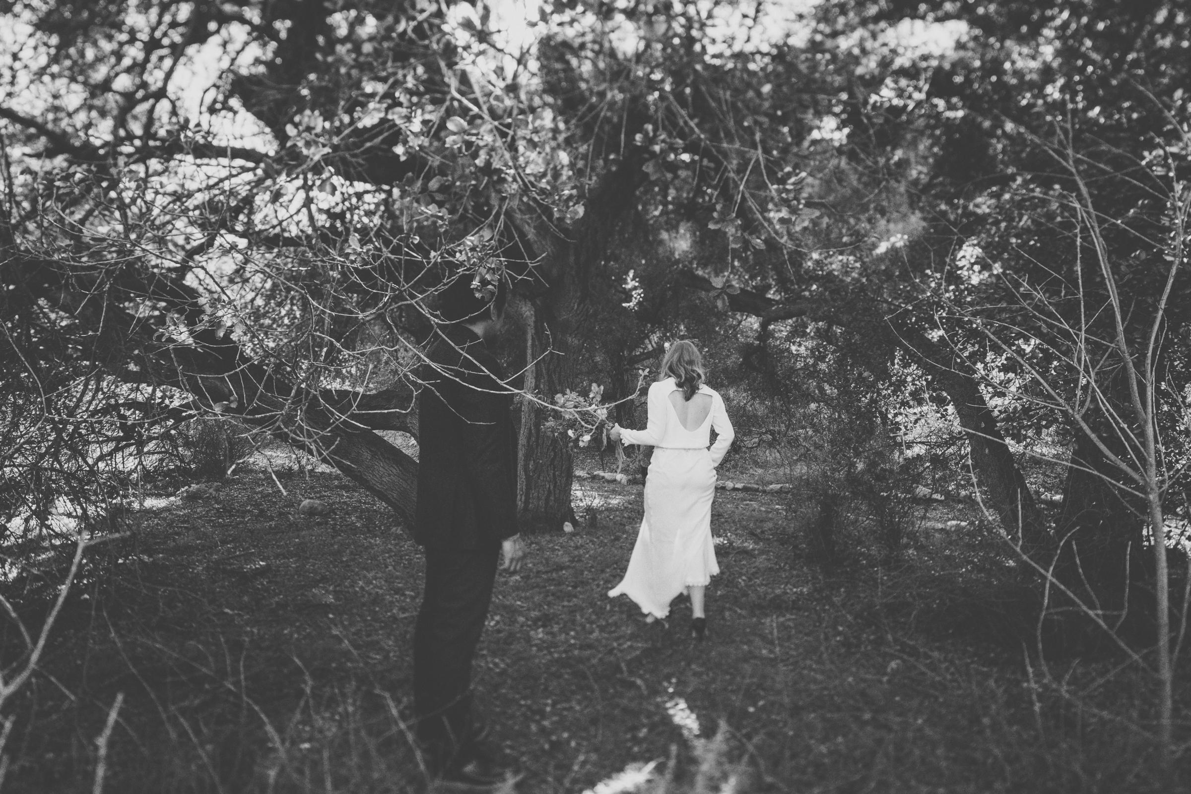©Isaiah + Taylor Photography - Intimate Elopement, Eaton Canyon, Los Angeles Wedding Photographer-26.jpg
