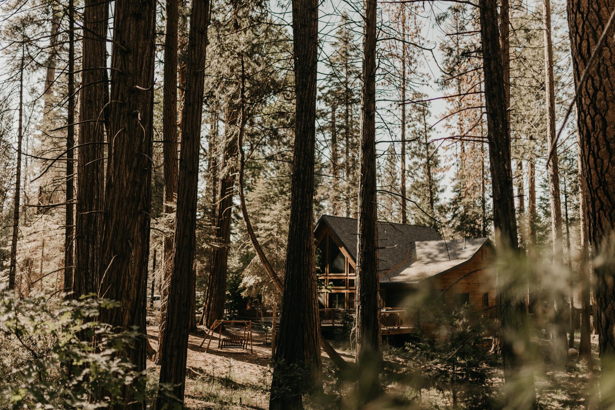 © Isaiah + Taylor Photography - Evergreen Lodge Destination Yoesmite Wedding - Los Angeles Wedding Photographer-001.jpg