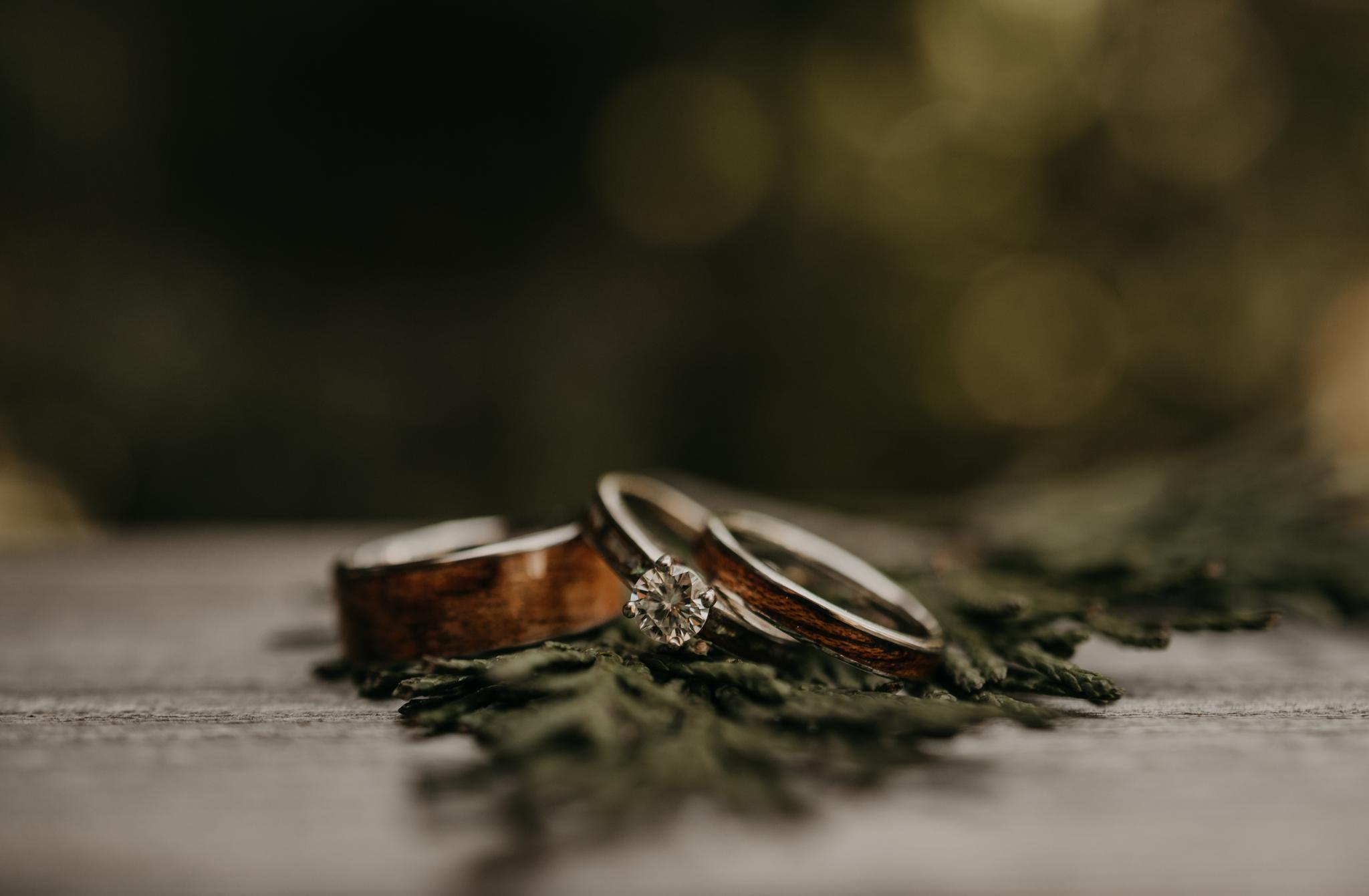 © Isaiah + Taylor Photography - Evergreen Lodge Destination Yoesmite Wedding - Los Angeles Wedding Photographer-004.jpg