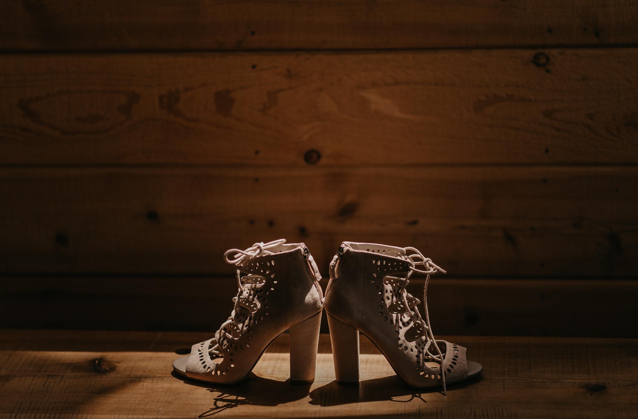 © Isaiah + Taylor Photography - Evergreen Lodge Destination Yoesmite Wedding - Los Angeles Wedding Photographer-018.jpg