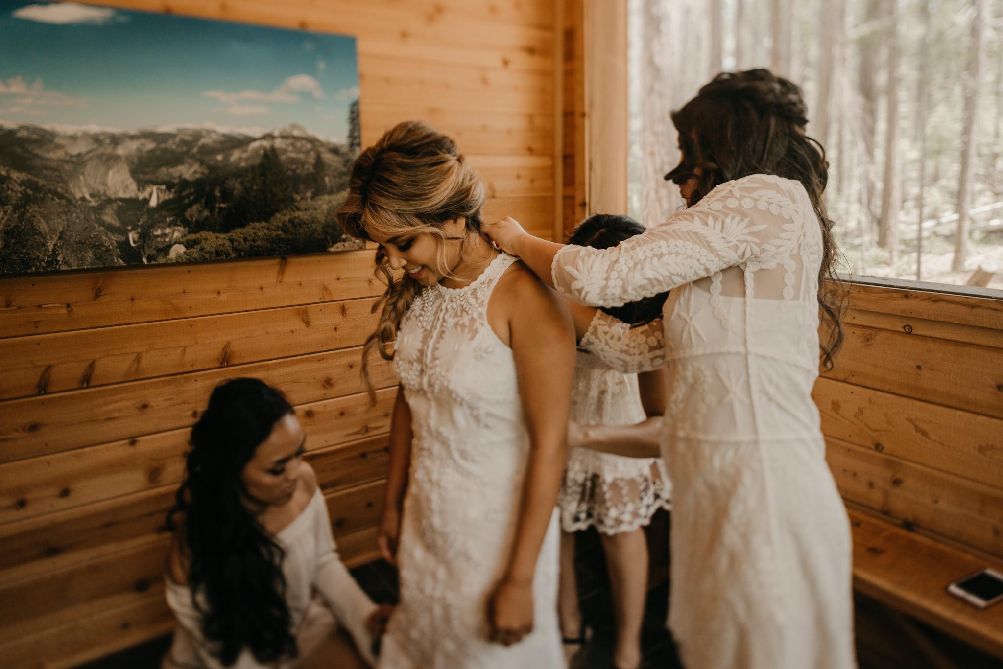 © Isaiah + Taylor Photography - Evergreen Lodge Destination Yoesmite Wedding - Los Angeles Wedding Photographer-026.jpg