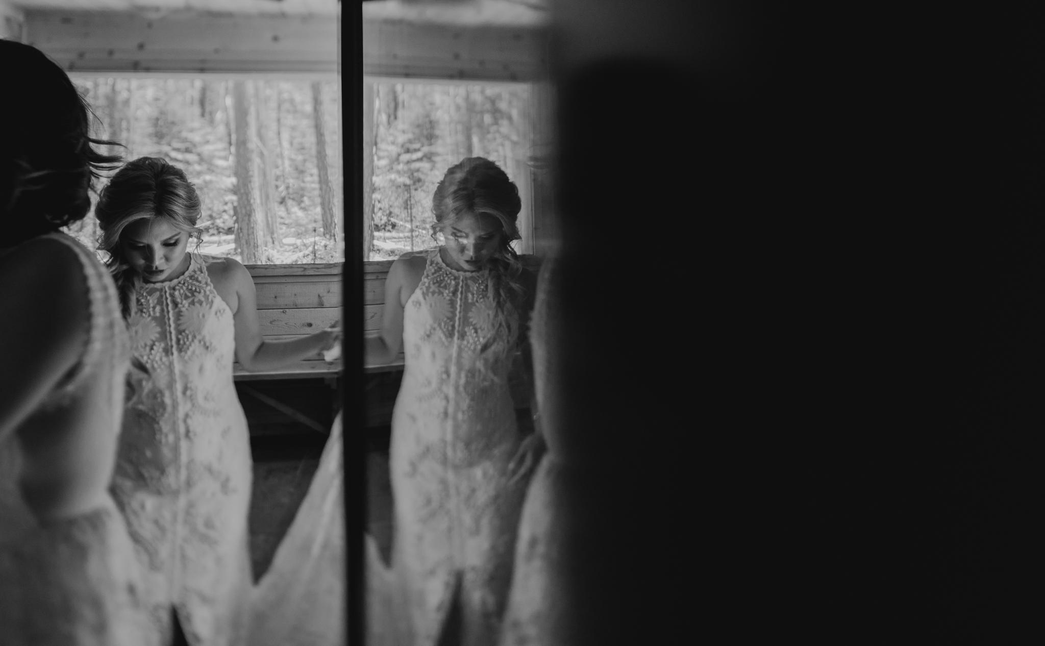 © Isaiah + Taylor Photography - Evergreen Lodge Destination Yoesmite Wedding - Los Angeles Wedding Photographer-030.jpg