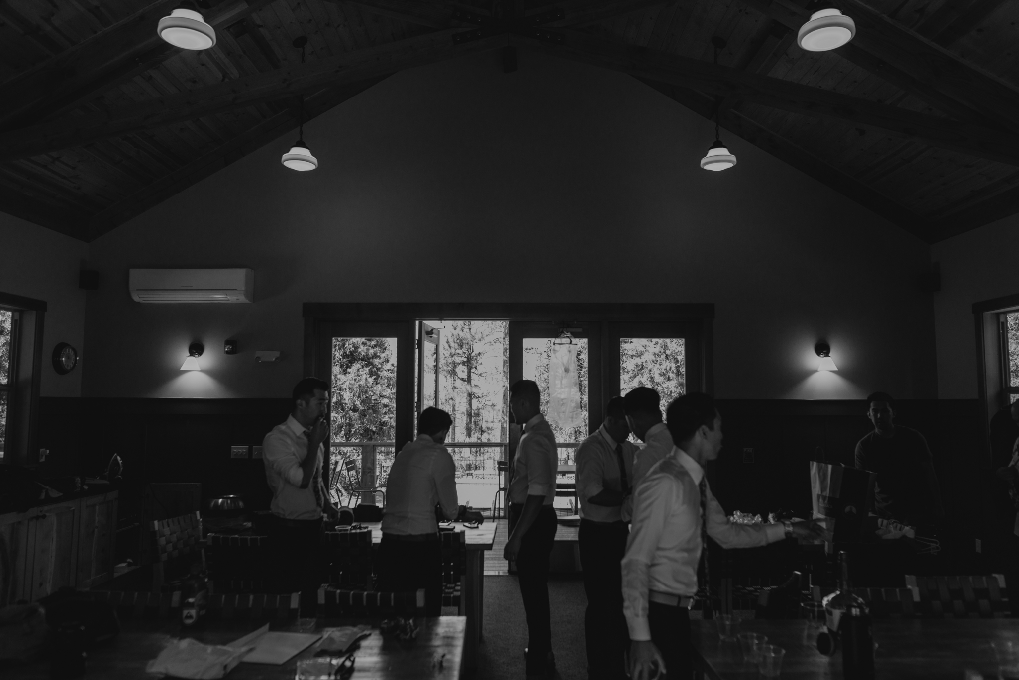 © Isaiah + Taylor Photography - Evergreen Lodge Destination Yoesmite Wedding - Los Angeles Wedding Photographer-034.jpg