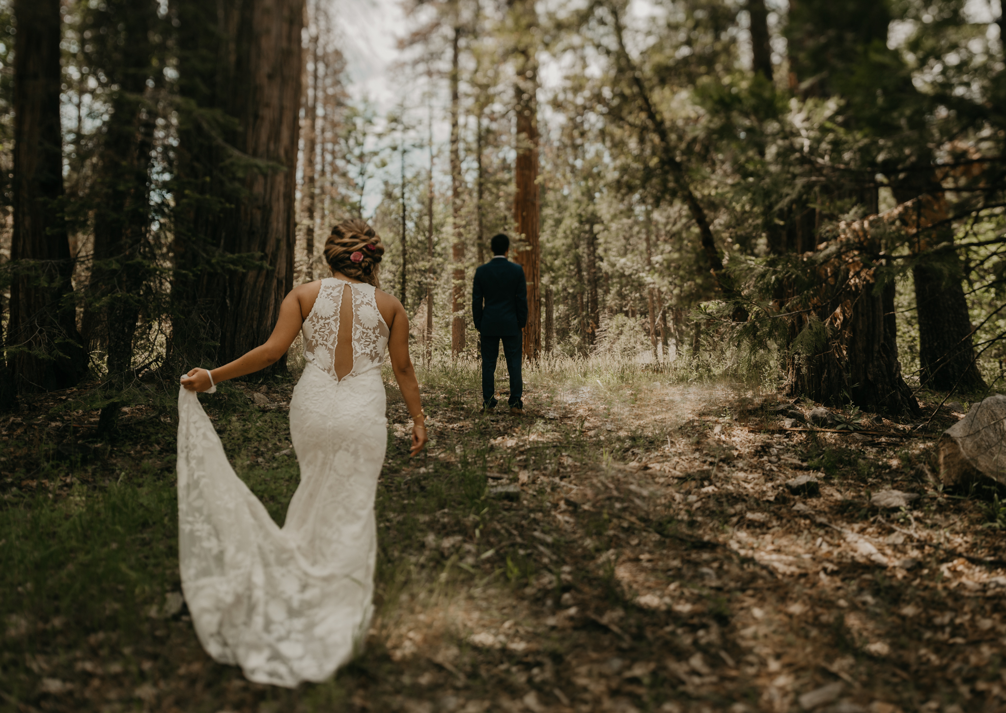© Isaiah + Taylor Photography - Evergreen Lodge Destination Yoesmite Wedding - Los Angeles Wedding Photographer-068.jpg