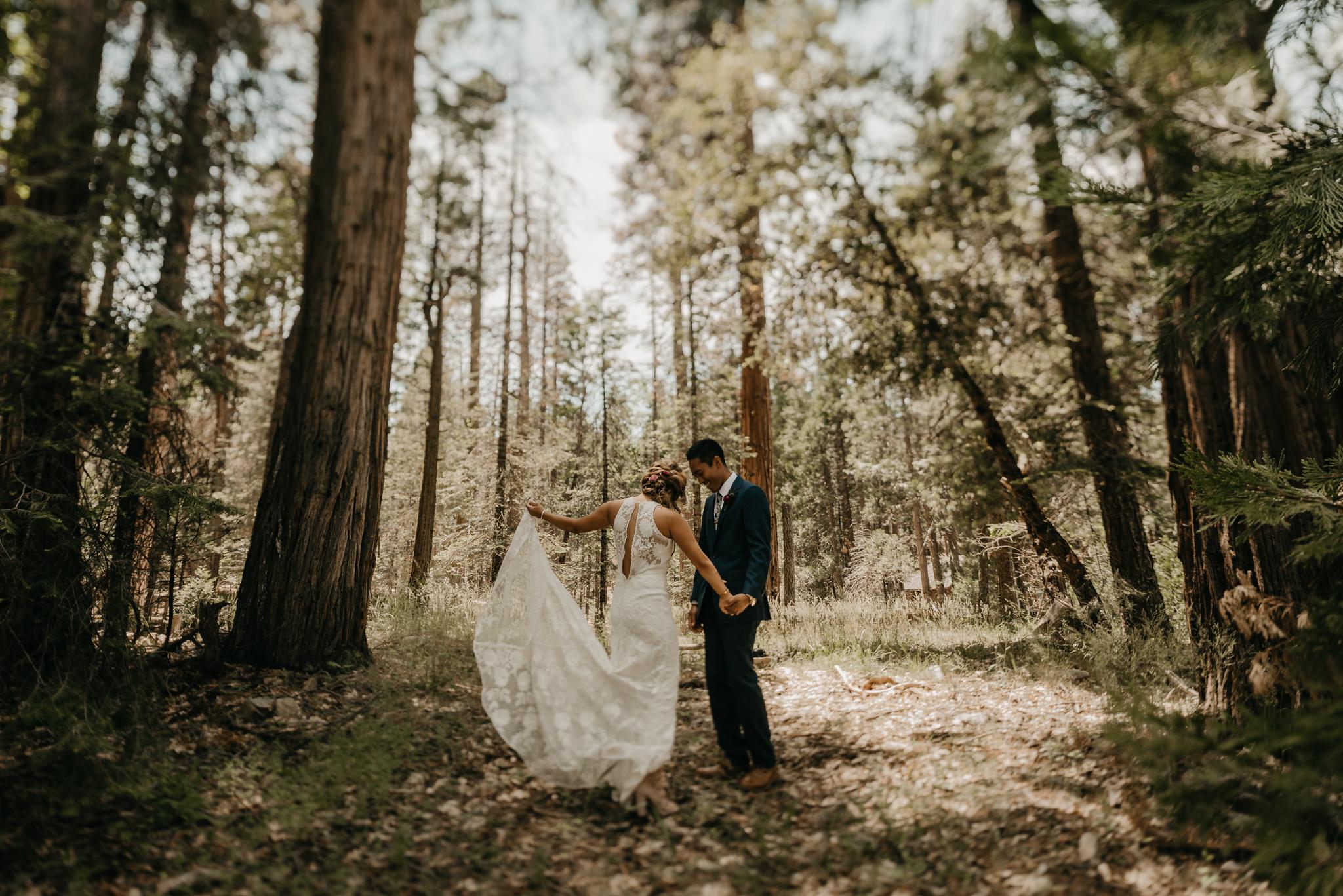 © Isaiah + Taylor Photography - Evergreen Lodge Destination Yoesmite Wedding - Los Angeles Wedding Photographer-074.jpg